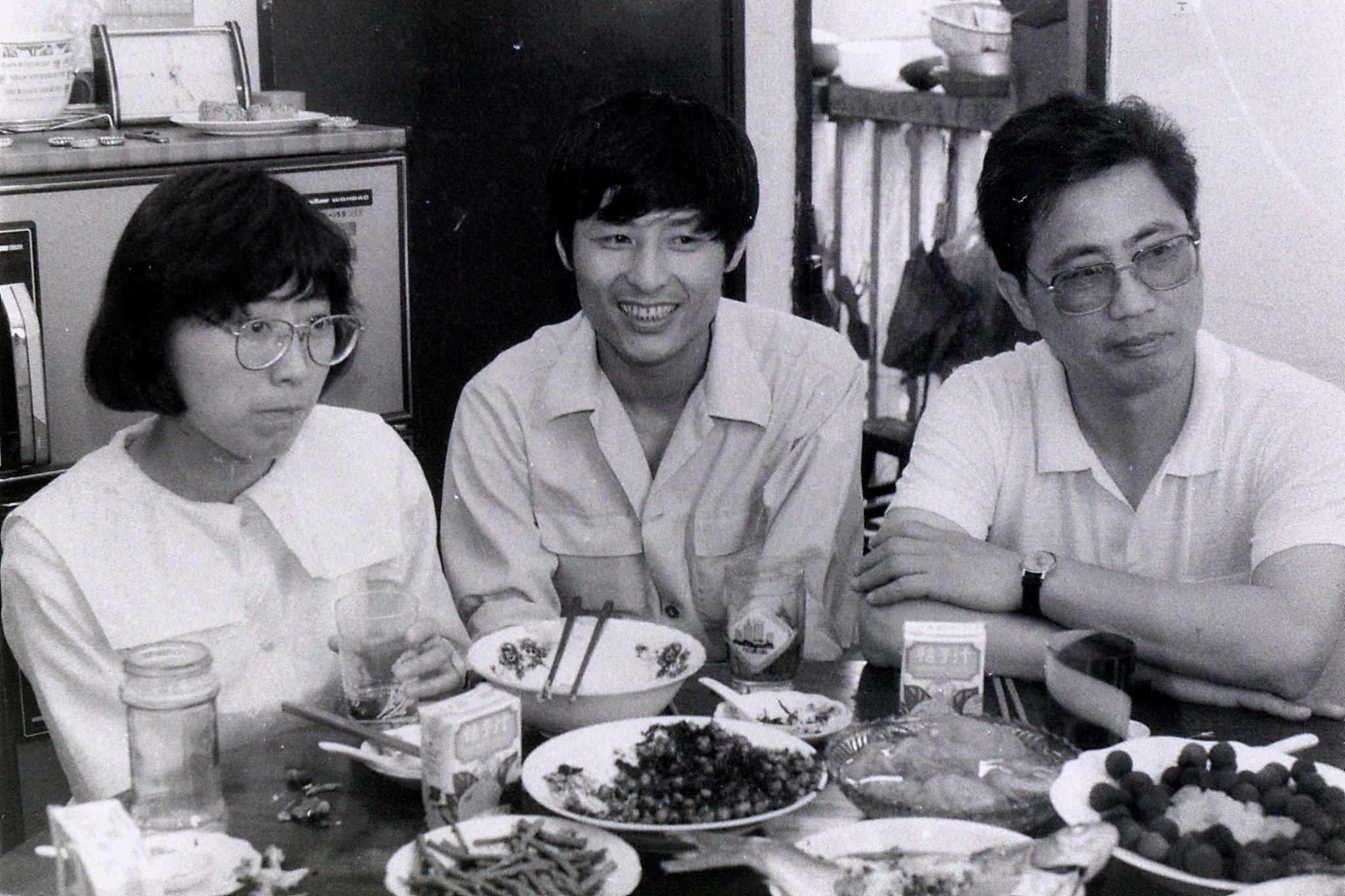 3/7/1989: 13: Shanghai, lunch at Prof. Xu's flat