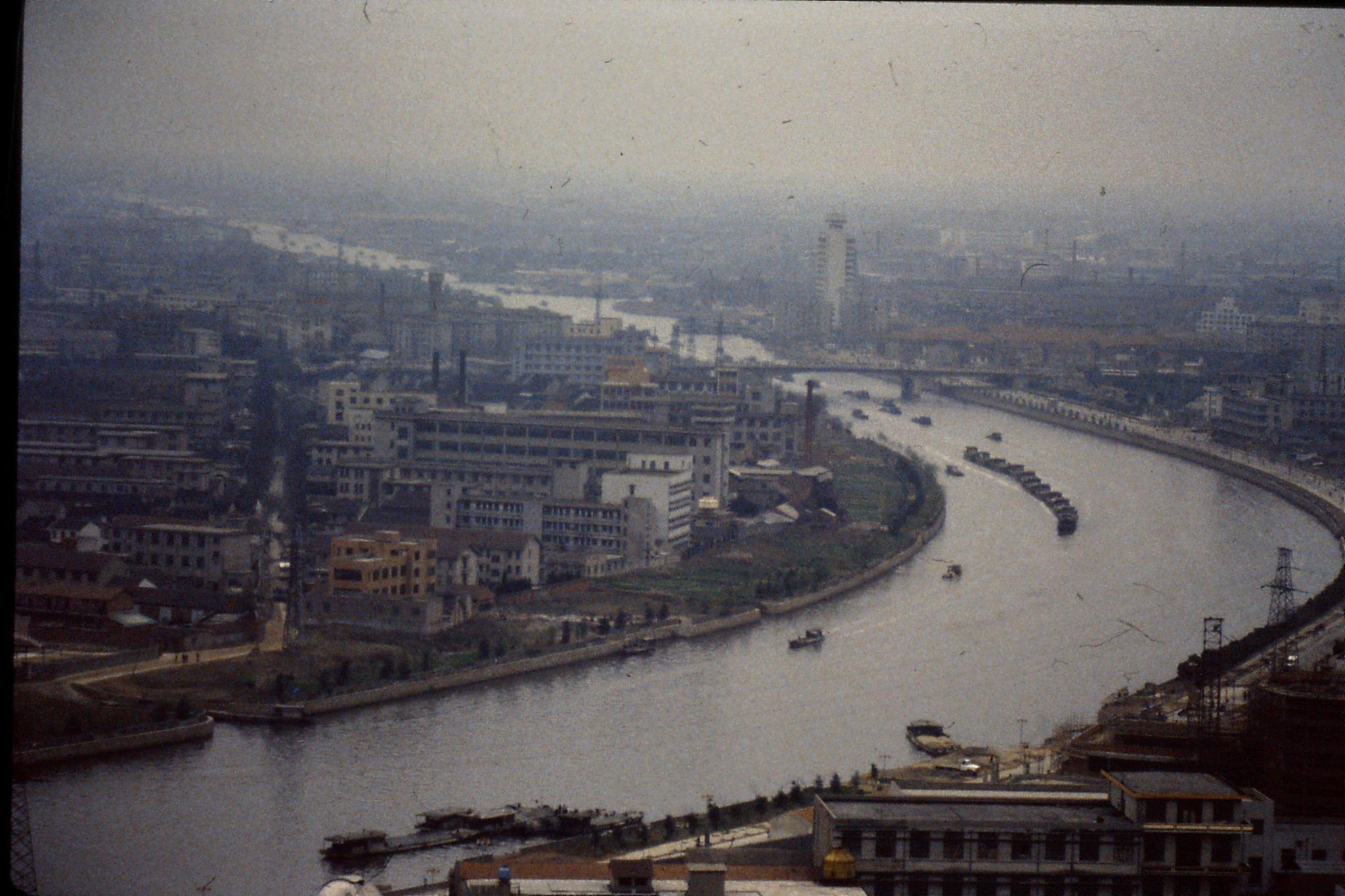 20/3/1989: 23: Wuxi Grand Canal from pagoda