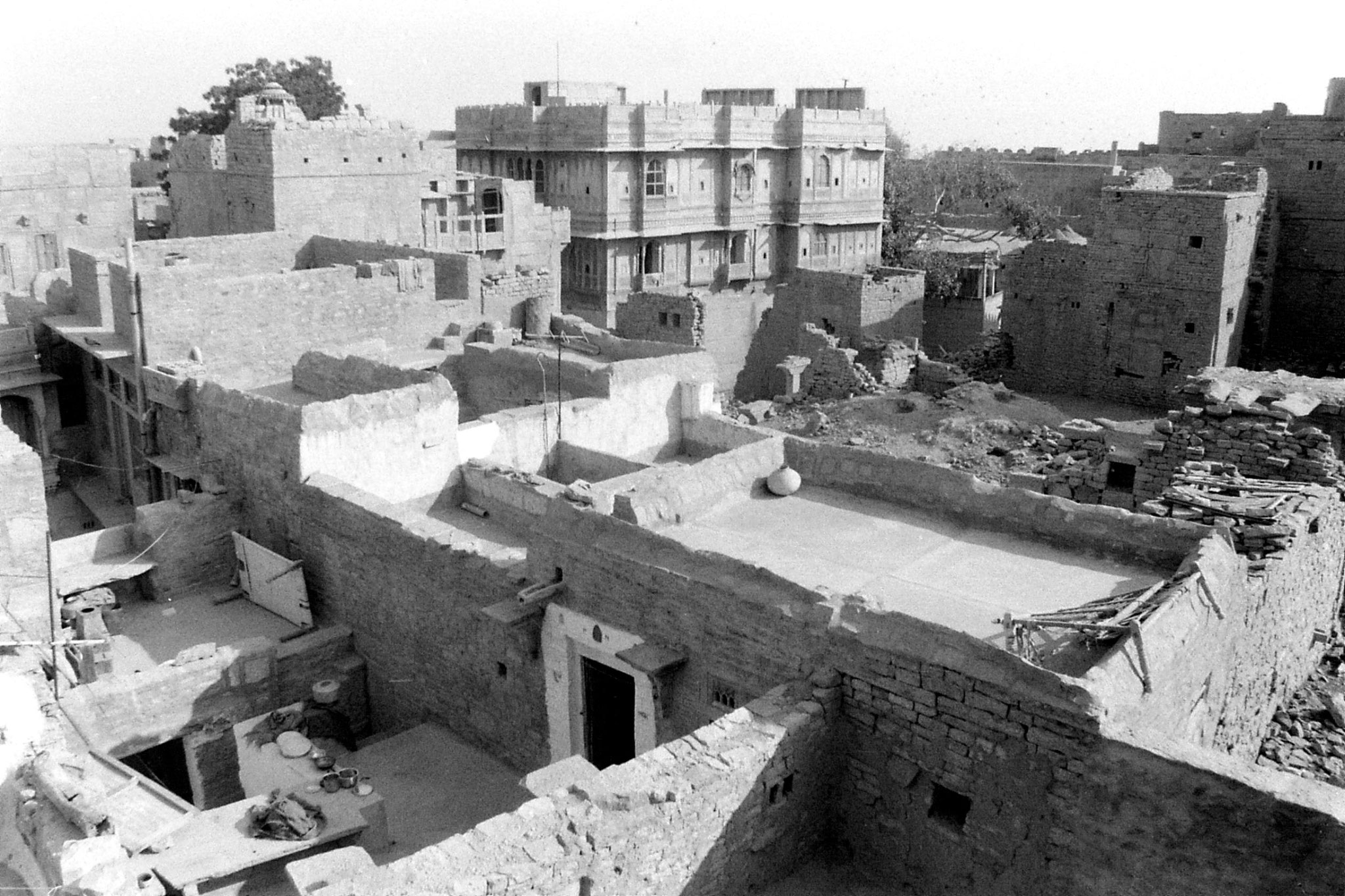 2/12/1989: 6: Jaisalmer from our hotel looking NE