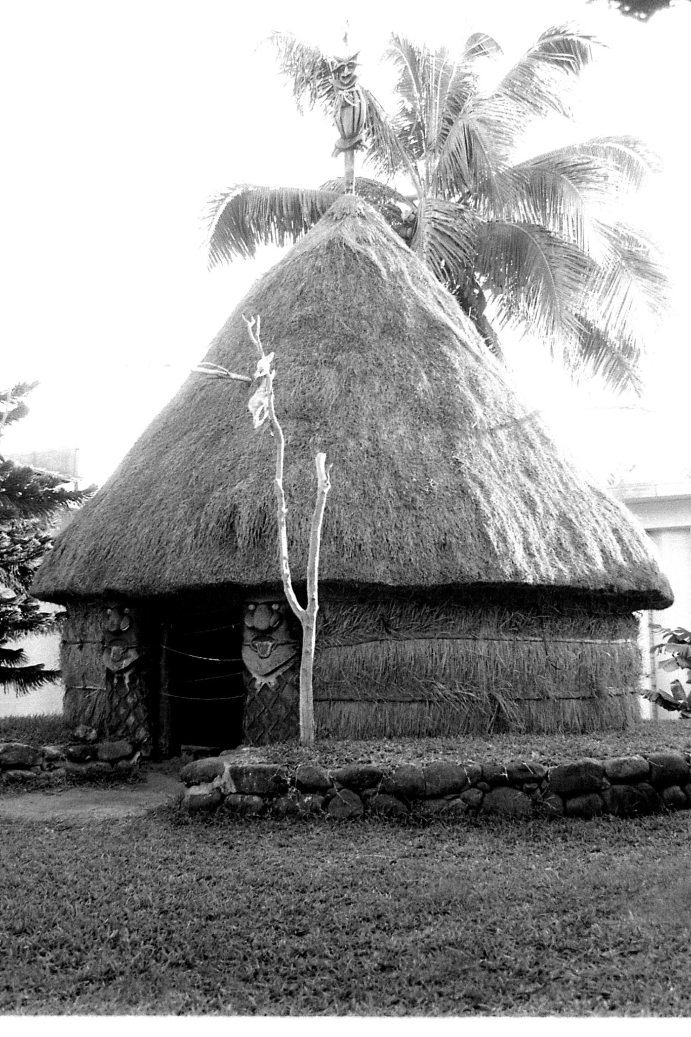 1/8/1990: 20: Noumea New Caledonia