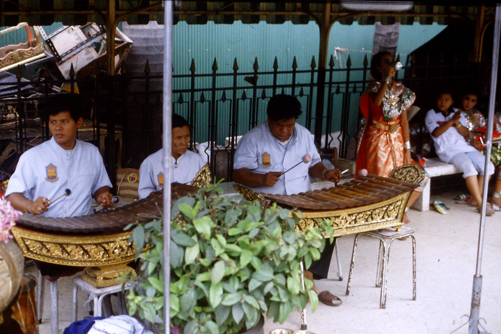 20/5/1990: 9: Bangkok Erawan Hotel shrine