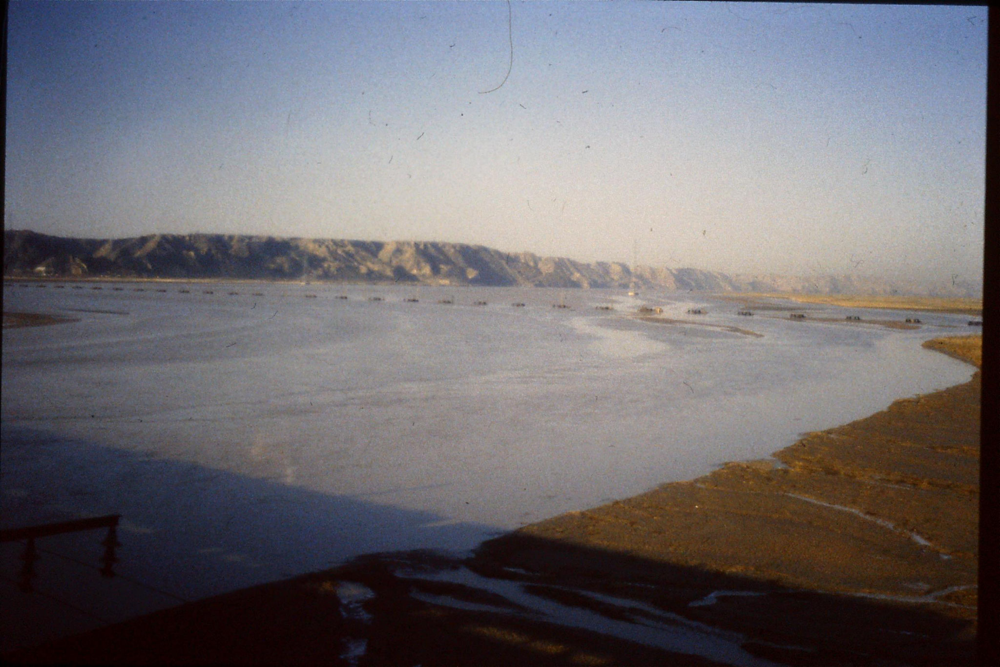 7/3/1989: 1: Journey Xian to Beijing, 0818 Yellow River