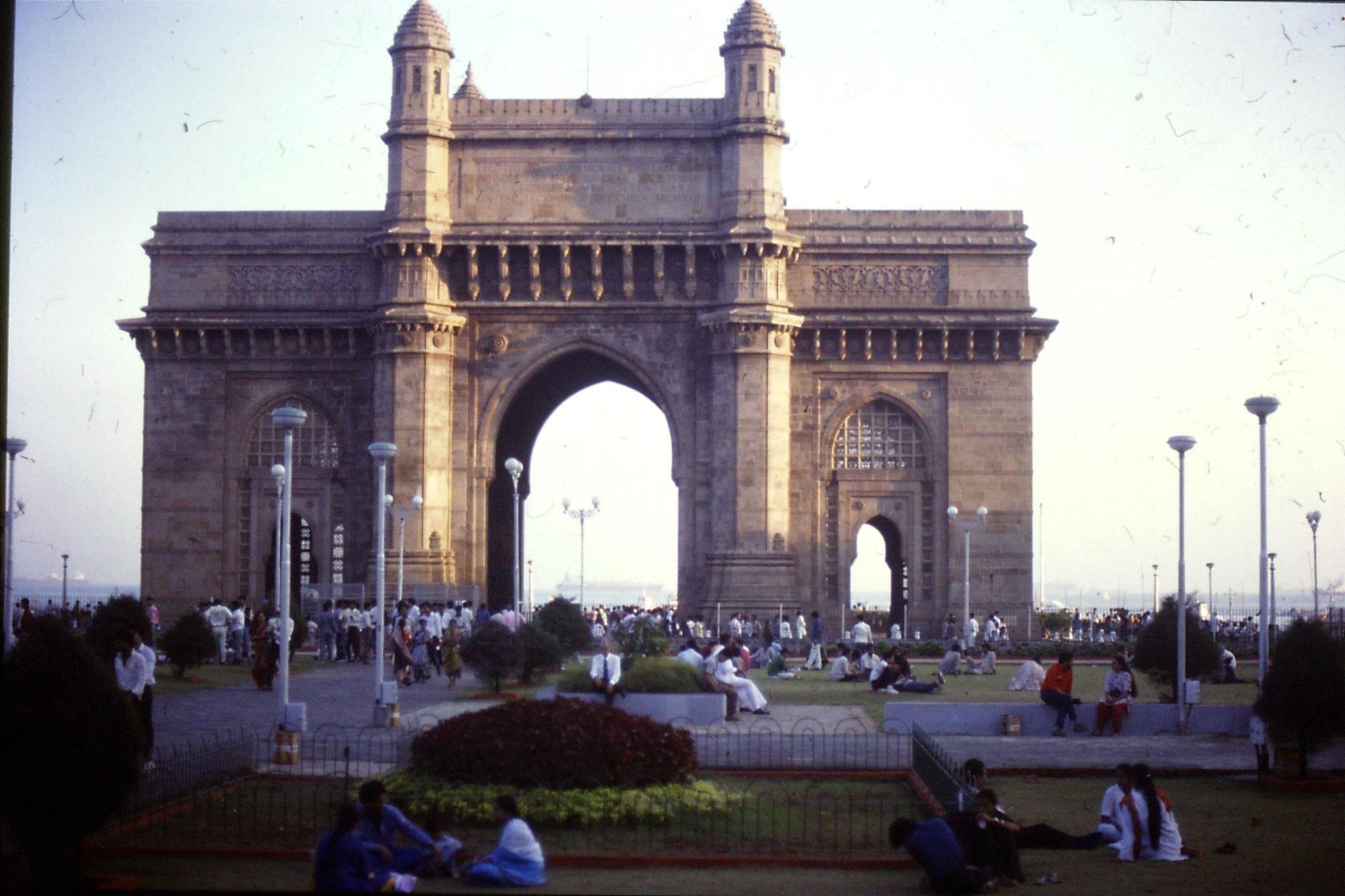 22/12/1989: 19: Bombay, Gate of India