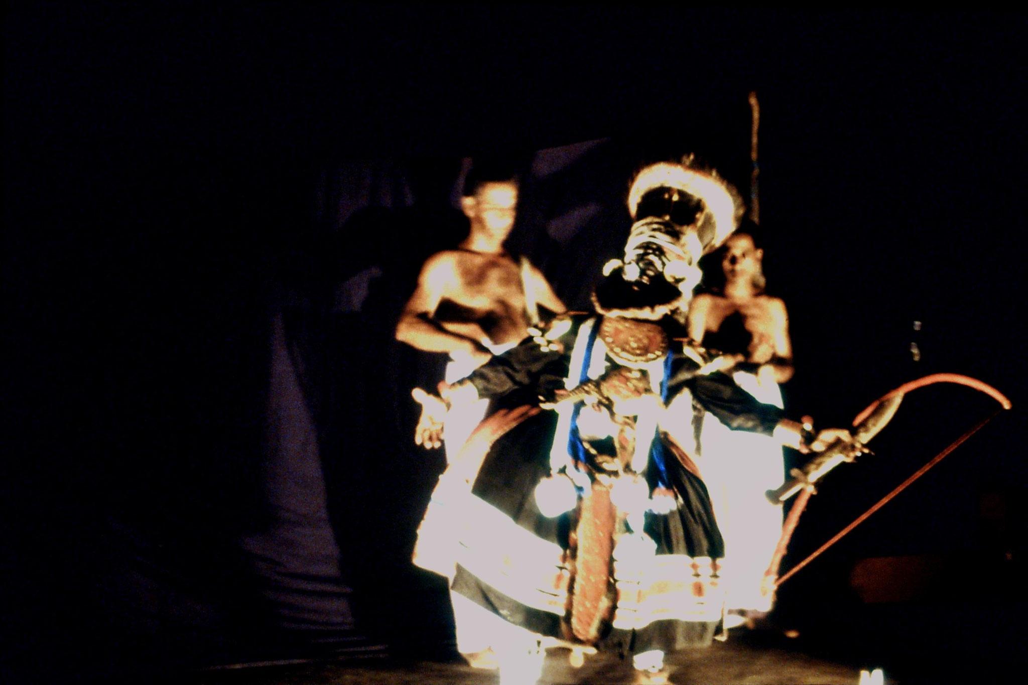 106/21: 24/2/1990 Erkunaculum - See India Foundation - Kathakali Dance