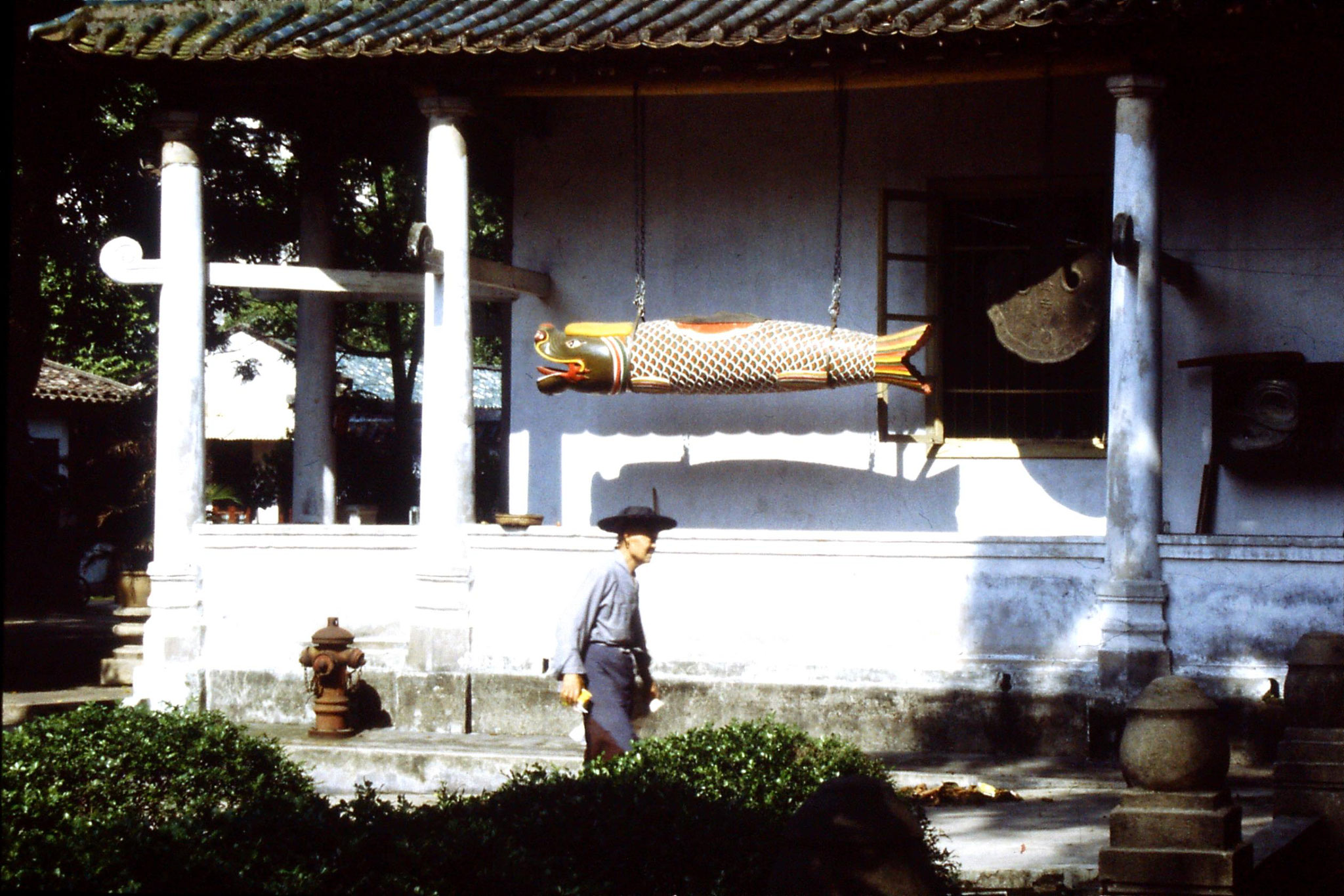 18/5/1989: 7: Guangzhou Filial Piety Temple