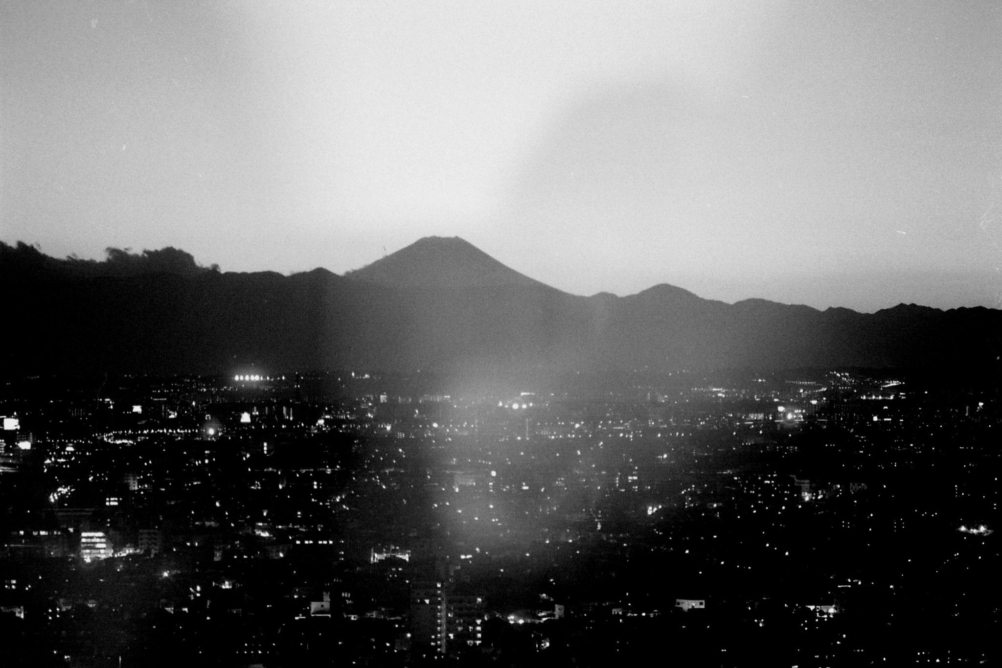 28/12/1988: 26: Mt Fuji from Tokyo