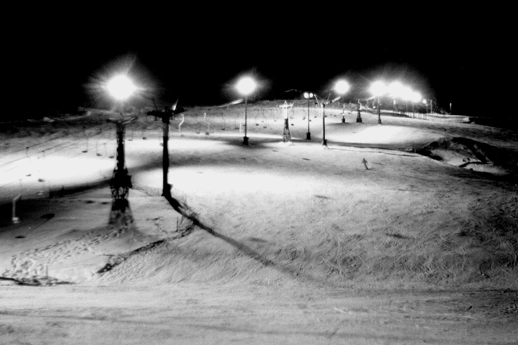 11/1/1989: 4: Floodlit ski slope outside hostel at Asahigawa