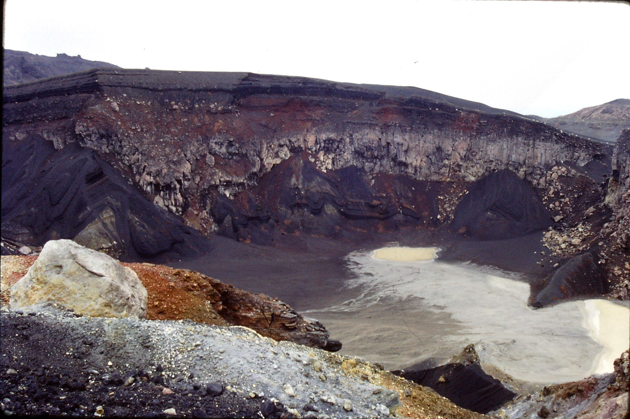 22/1/1989: 2: Aso San old crater
