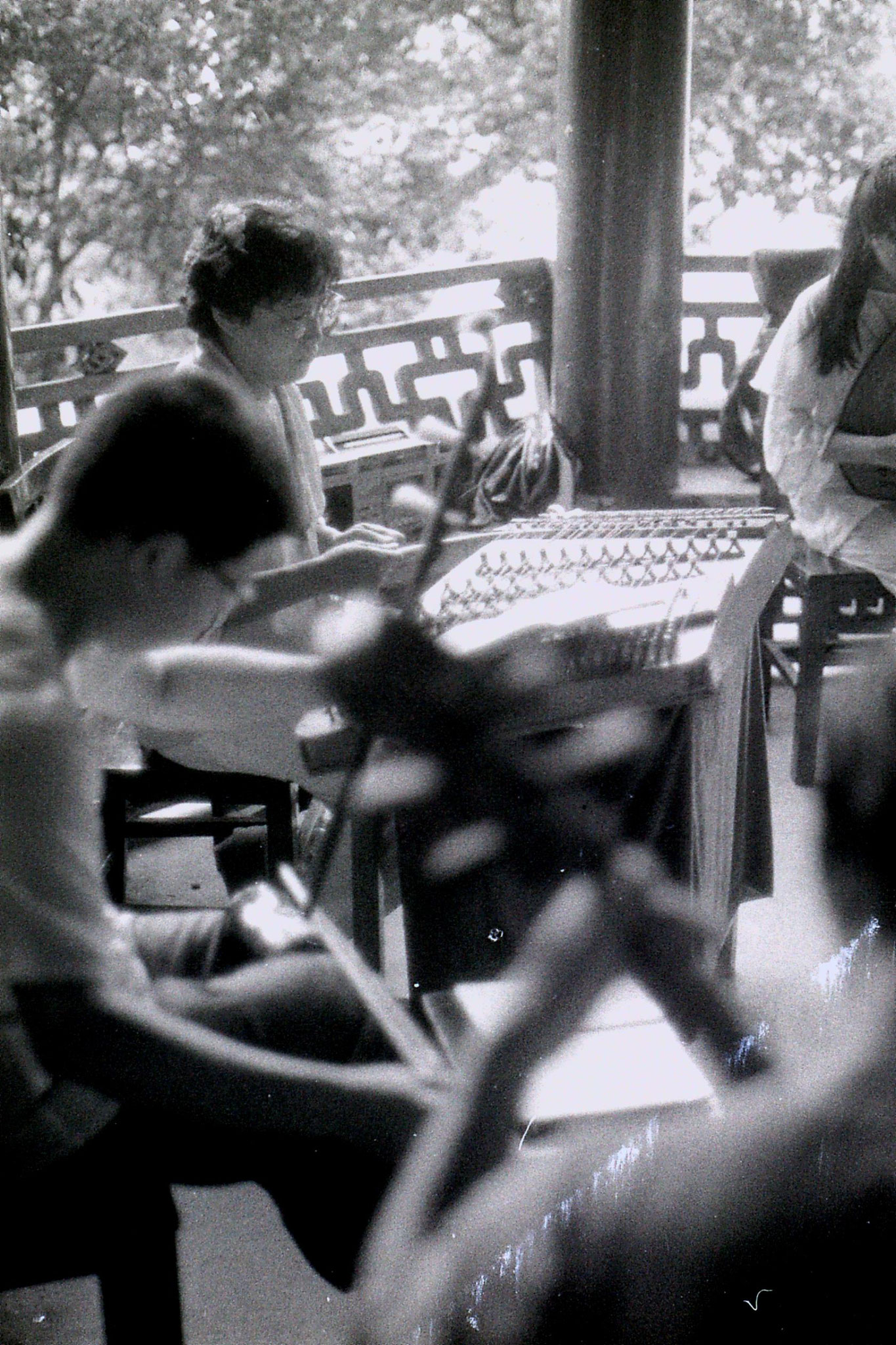 15/7/1989: 27: Hangzhou Yellow Dragon Spring musicians