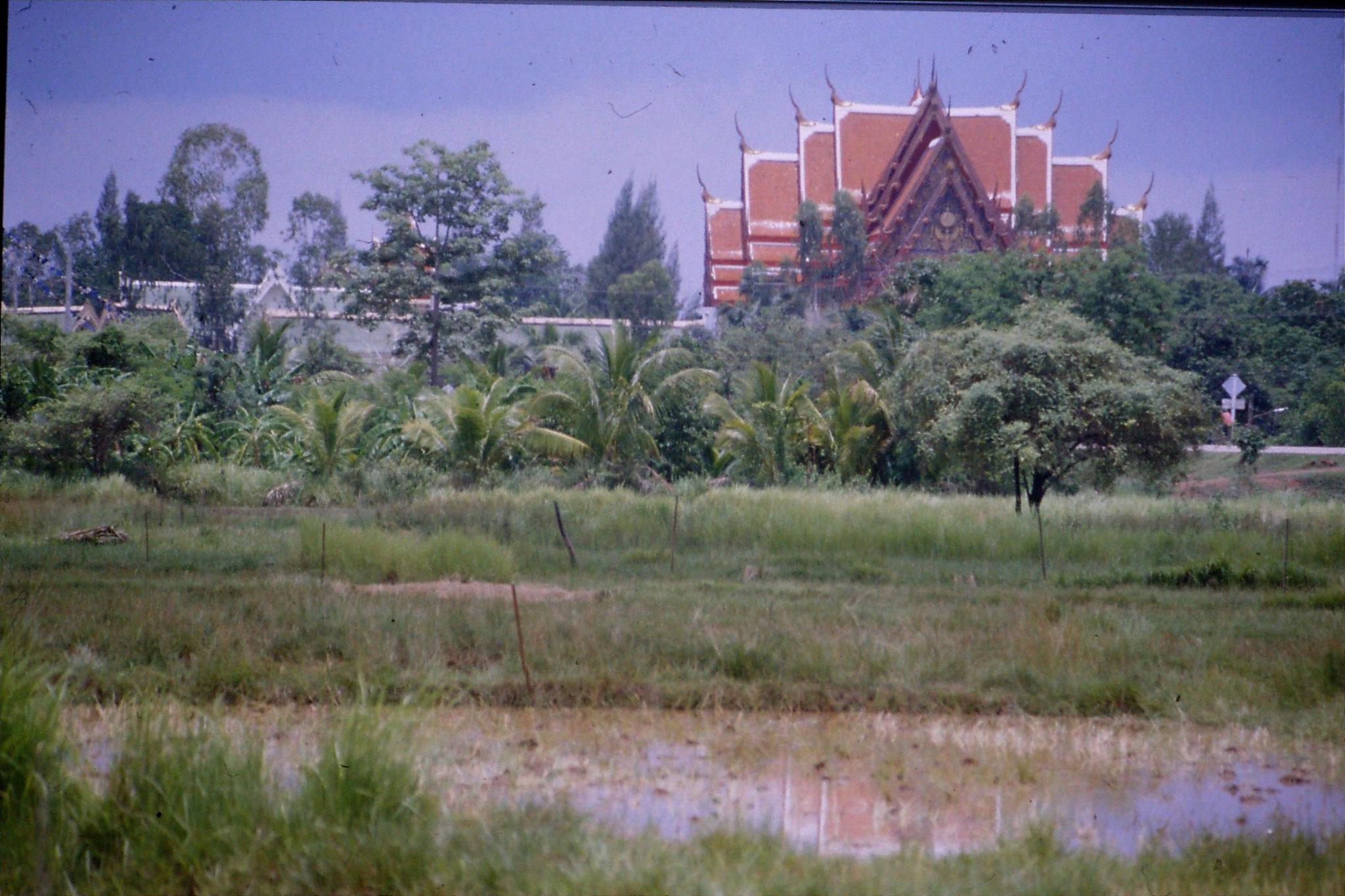 30/5/1990: 18: Nong Khai Wat Po Chai