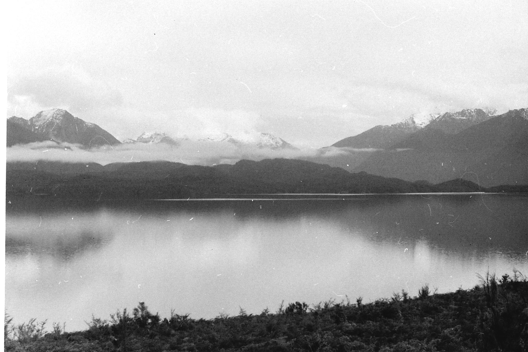 14/8/1990: 11: Murchison Mts from Te Anau across Te Anau Lake
