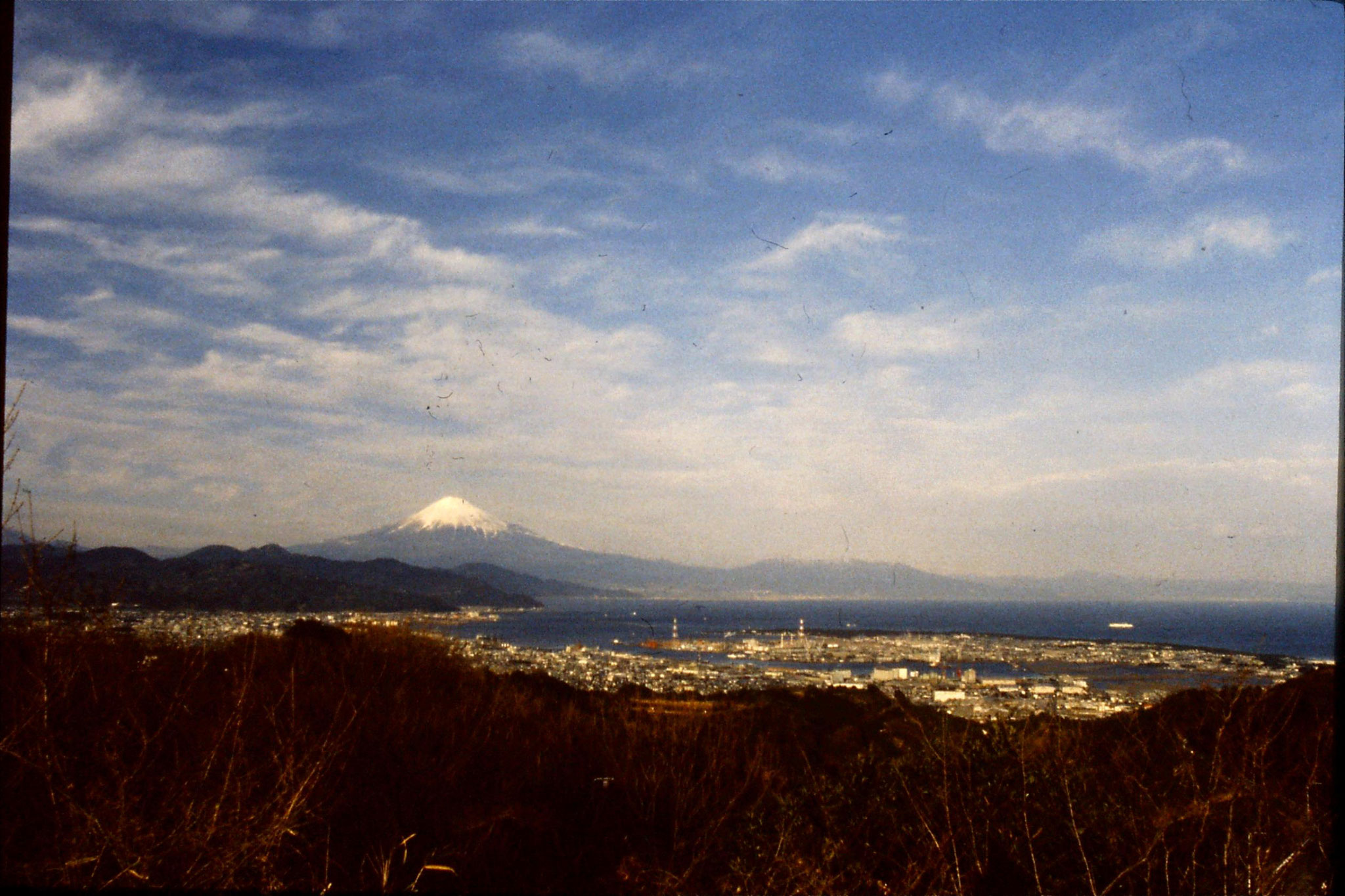 27/1/1989: 23: view of Fuji from Nihon Dara
