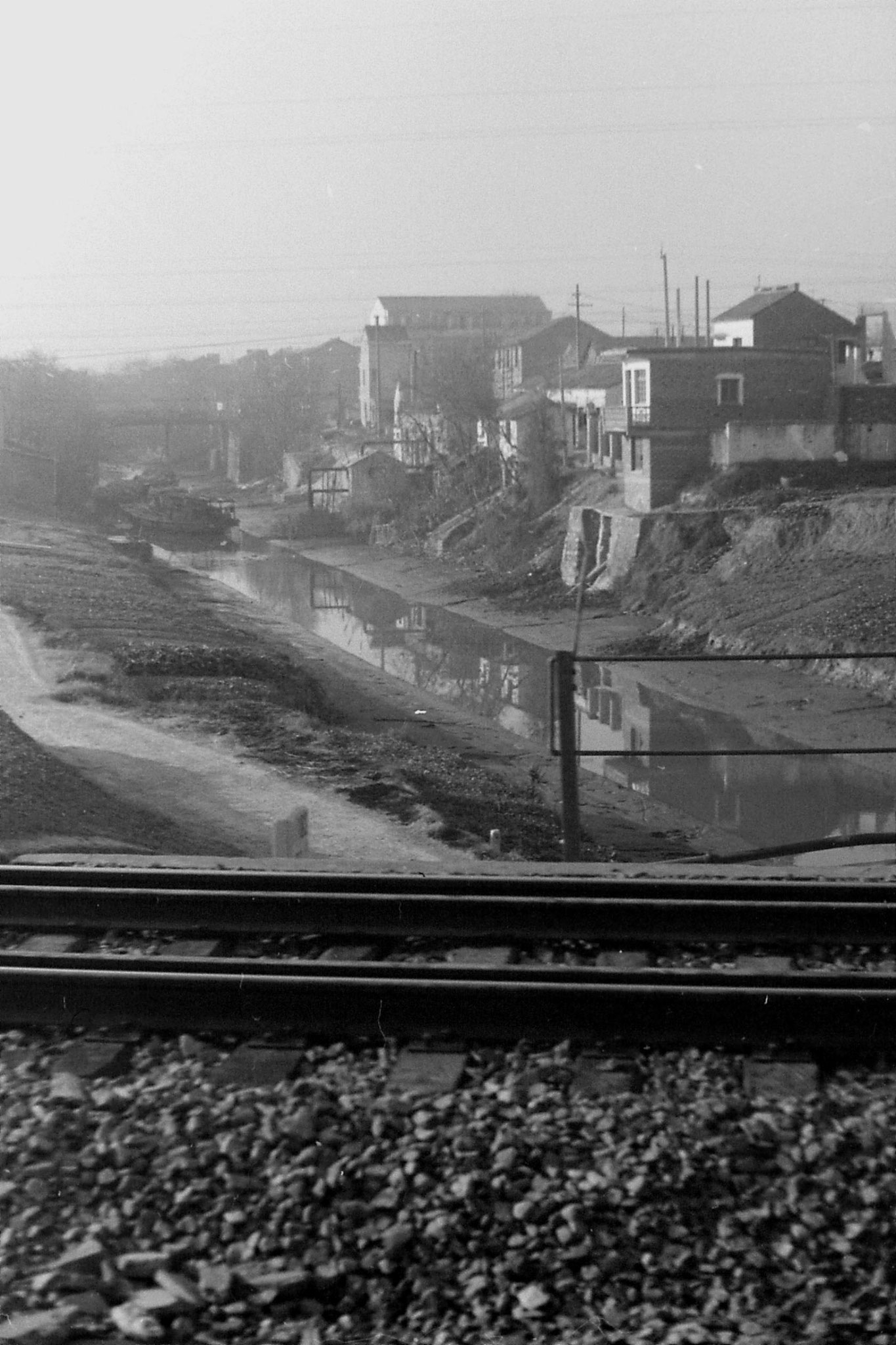 13/12/1988: 32: train from Nanjing to Shanghai