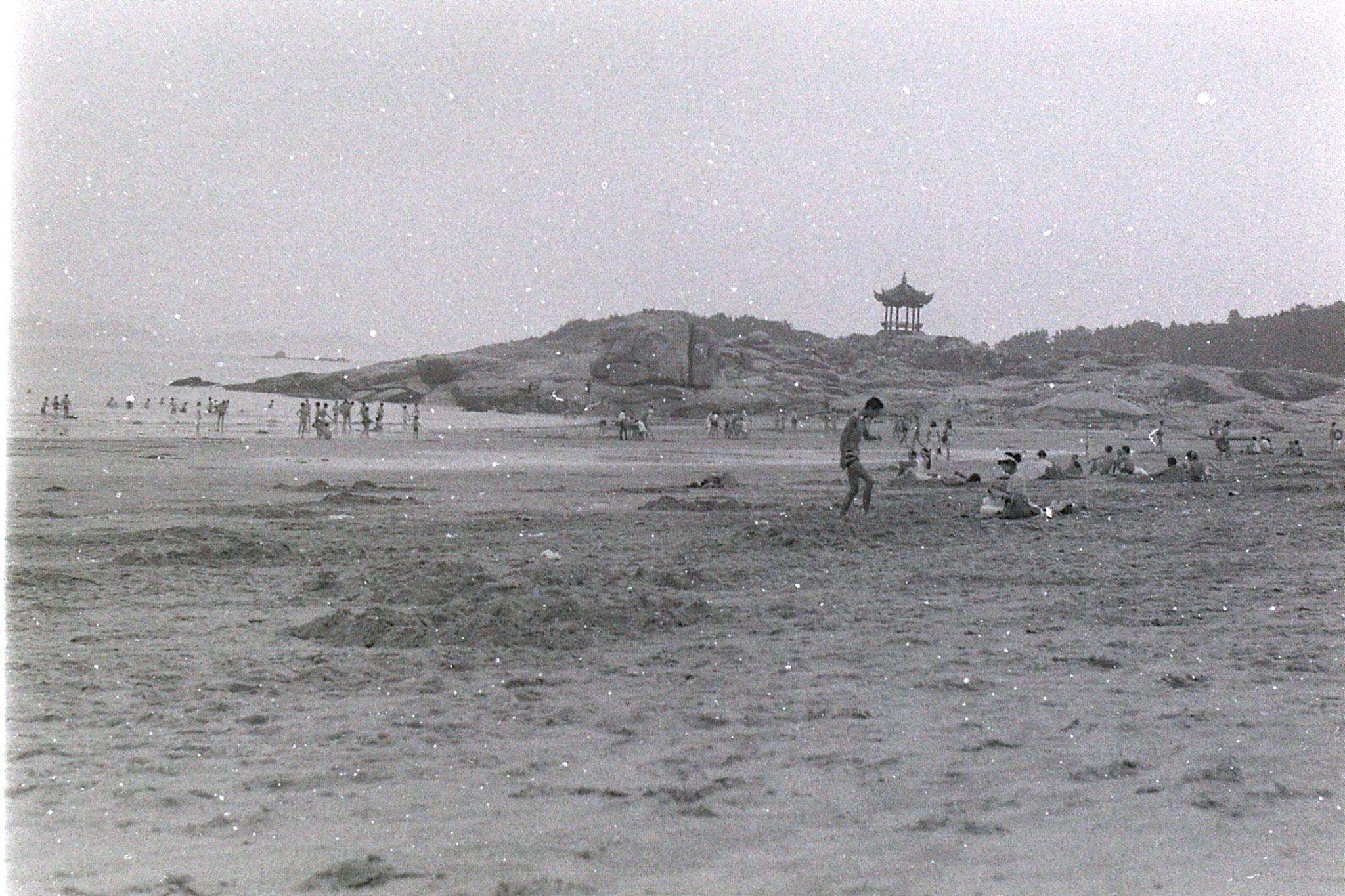 24/7/1989: 9: Putuo 100 pace beach