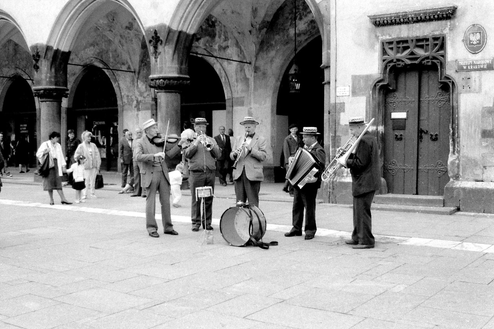 23/8/1988: 27: musicians
