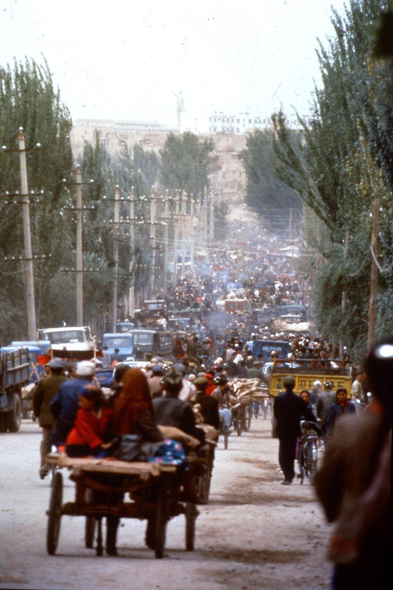 10/9/1989:10: Kashgar Sunday market