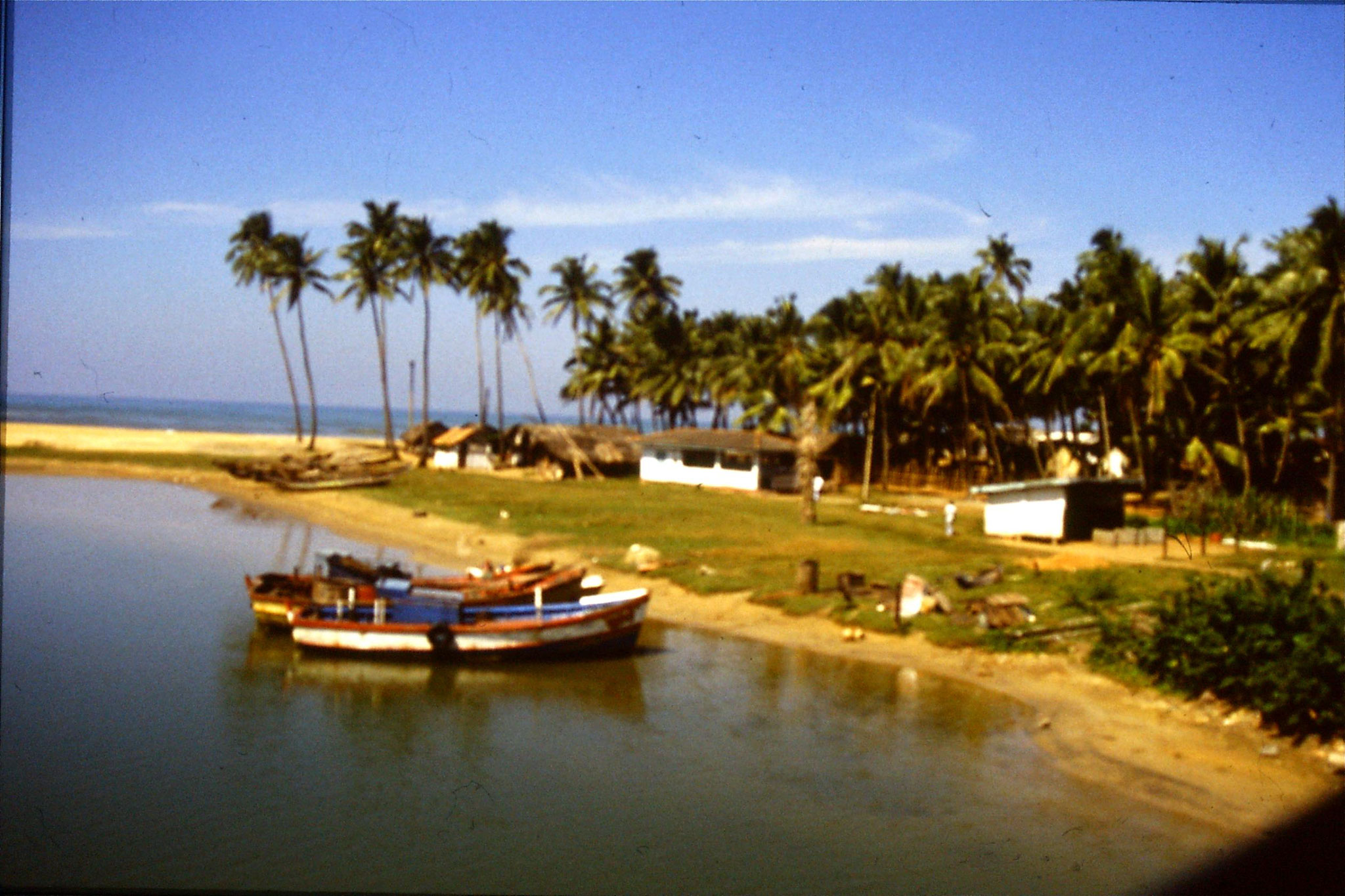 24/1/1990: 29: coast south of Colombo