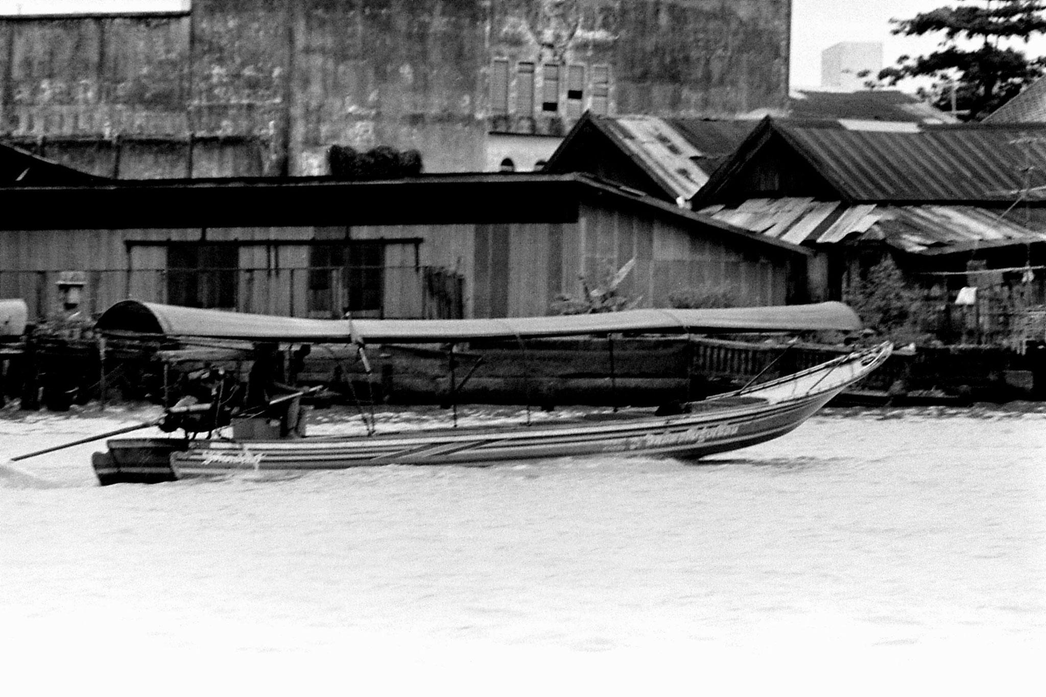 17/6/1990: 16: Bangkok, on the river