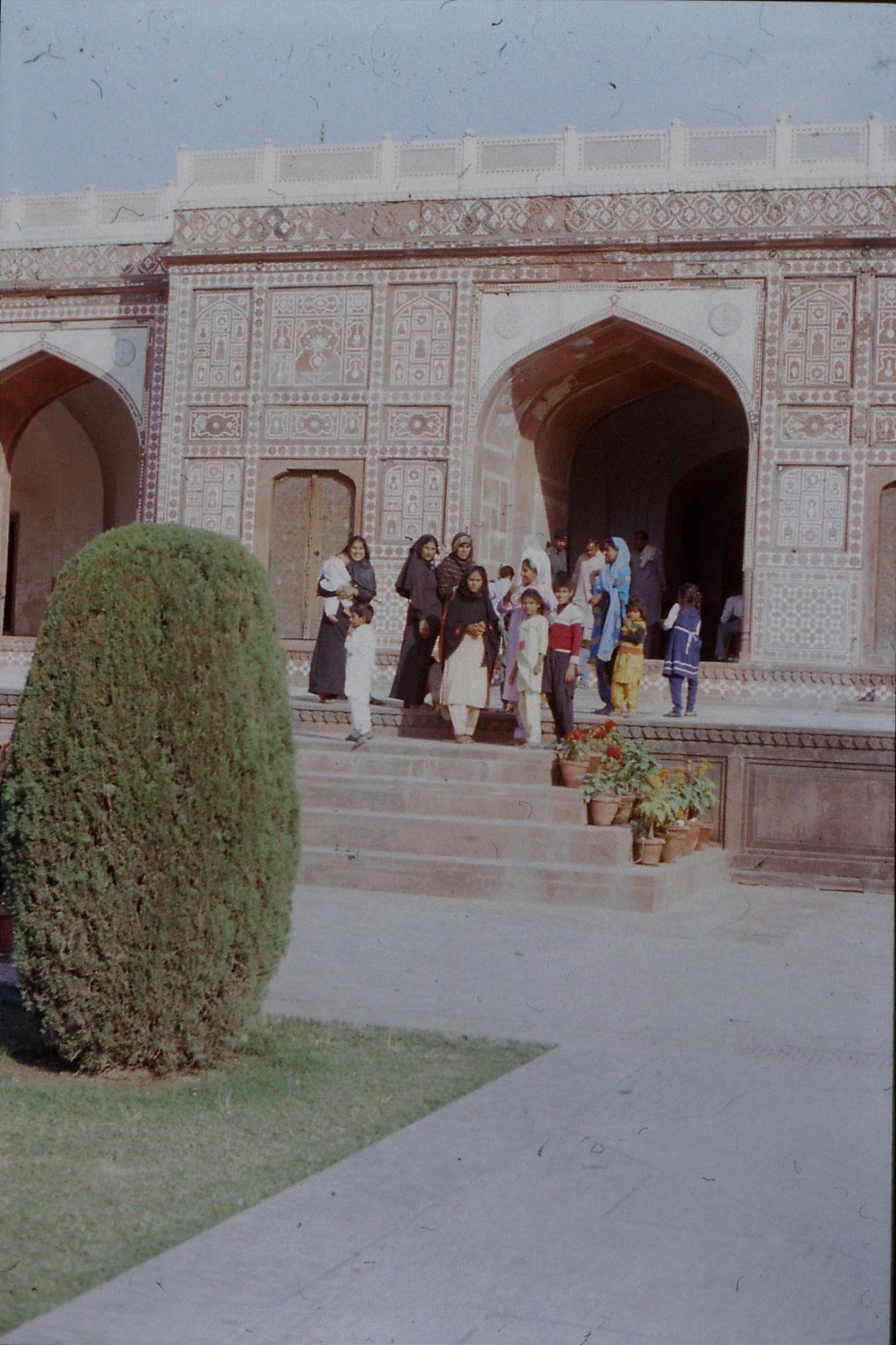 10/11/1989: Lahore, Jehangir's tomb