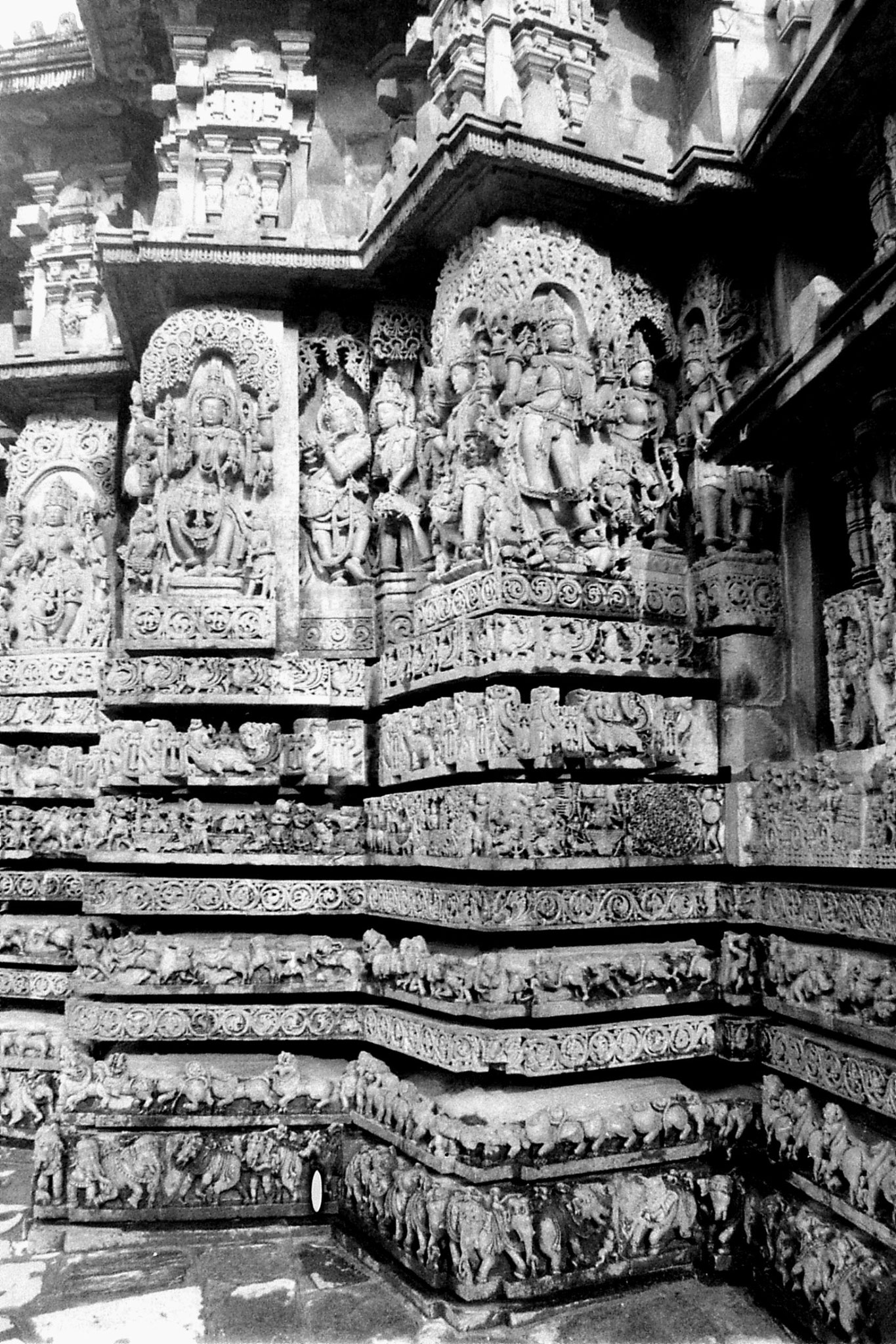13/2/1990: 37: Halebidu temple