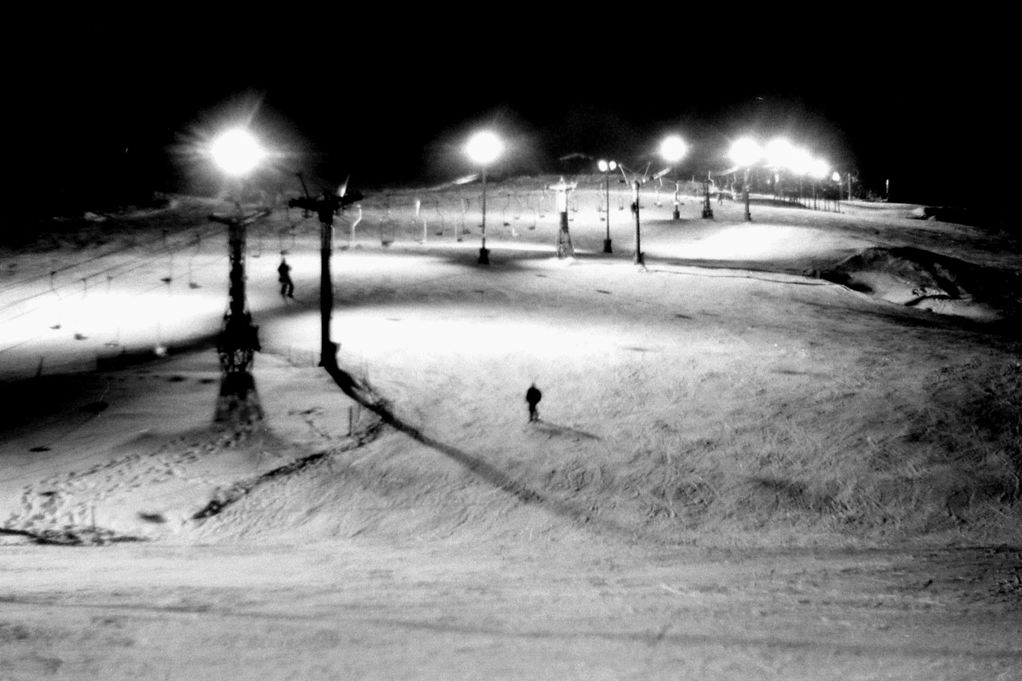11/1/1989: 3: Floodlit ski slope outside hostel at Asahigawa