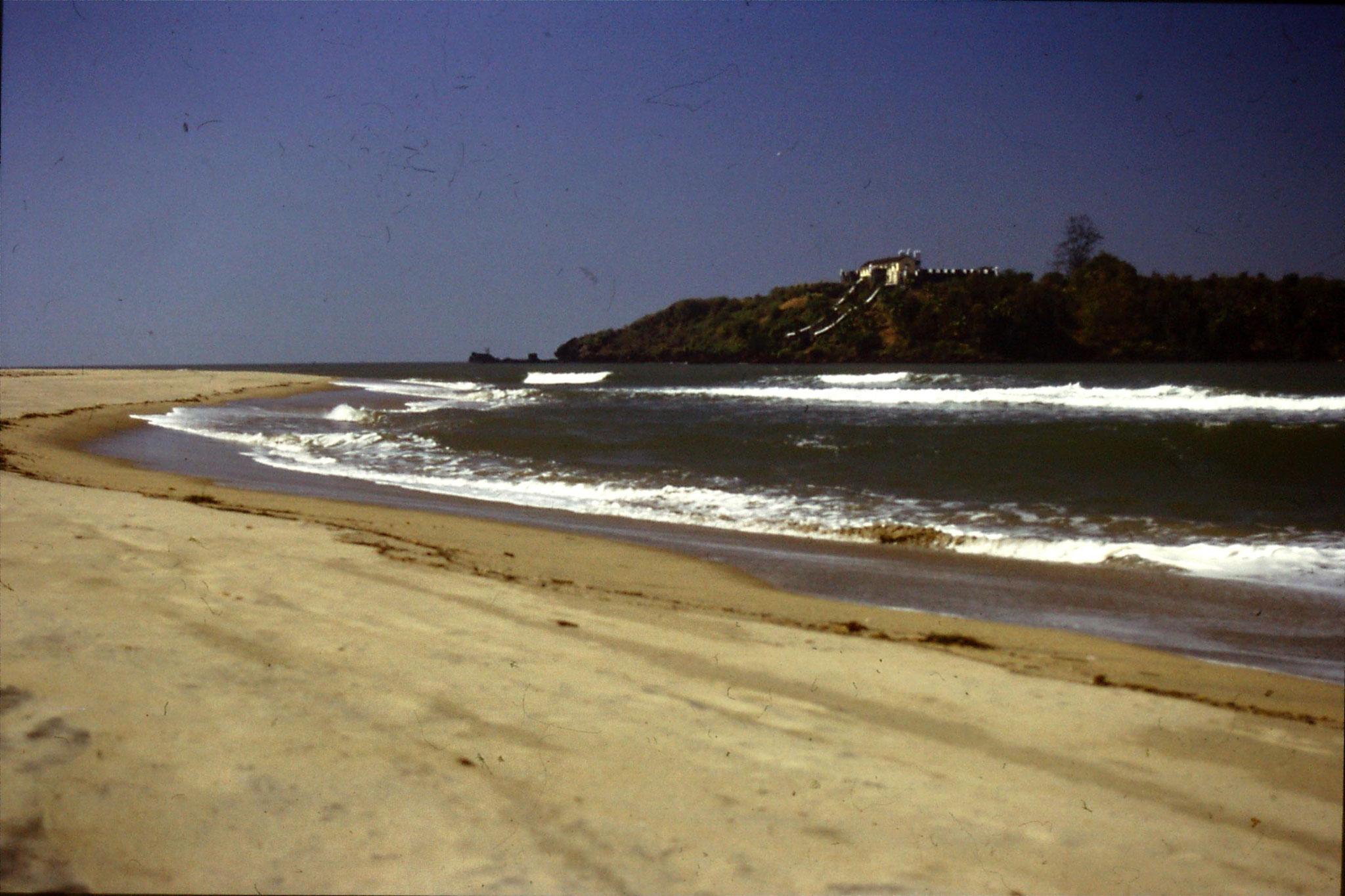 2/1/1990: 27: Terakol fort