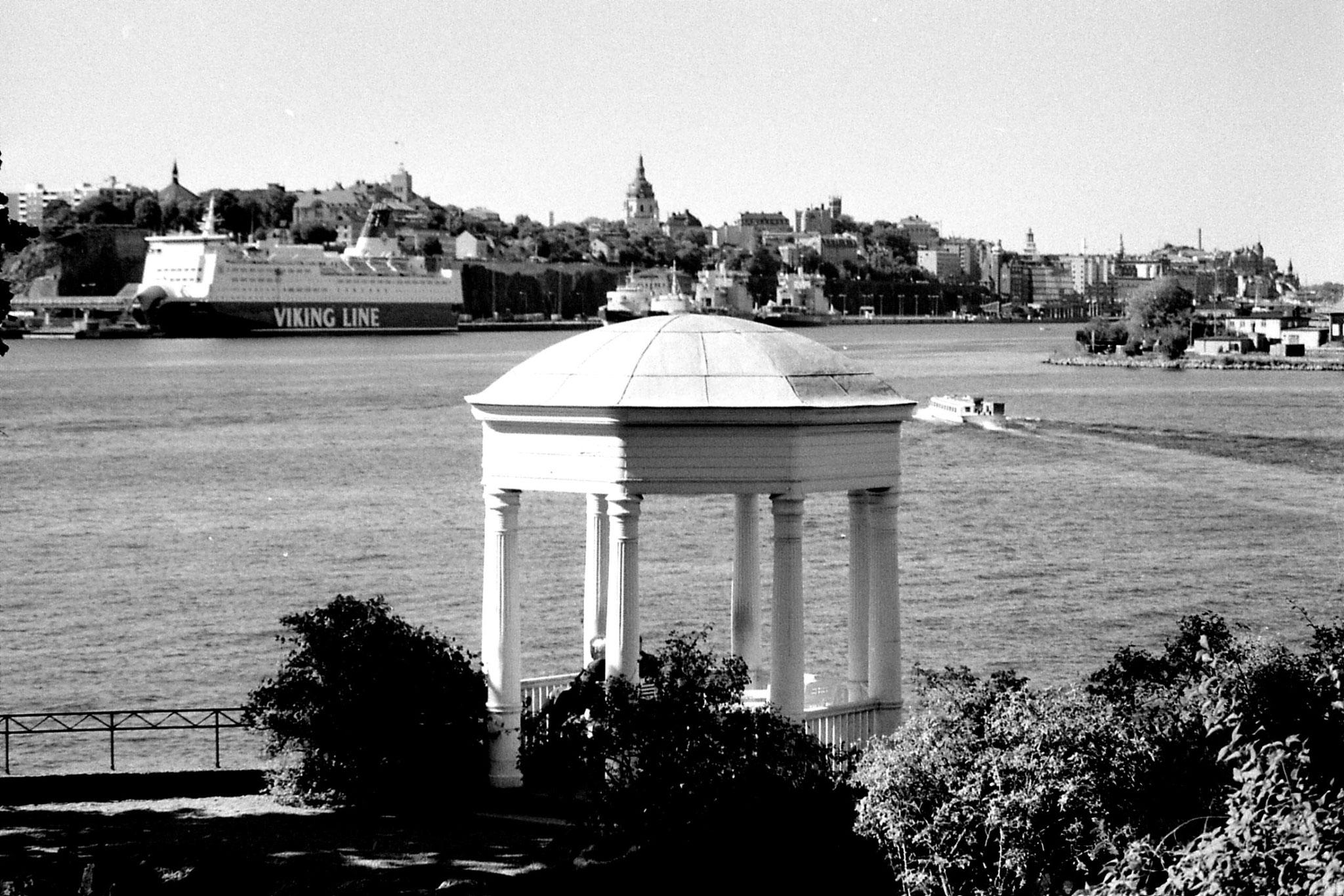 7/9/1988: 34: Stockholm harbour