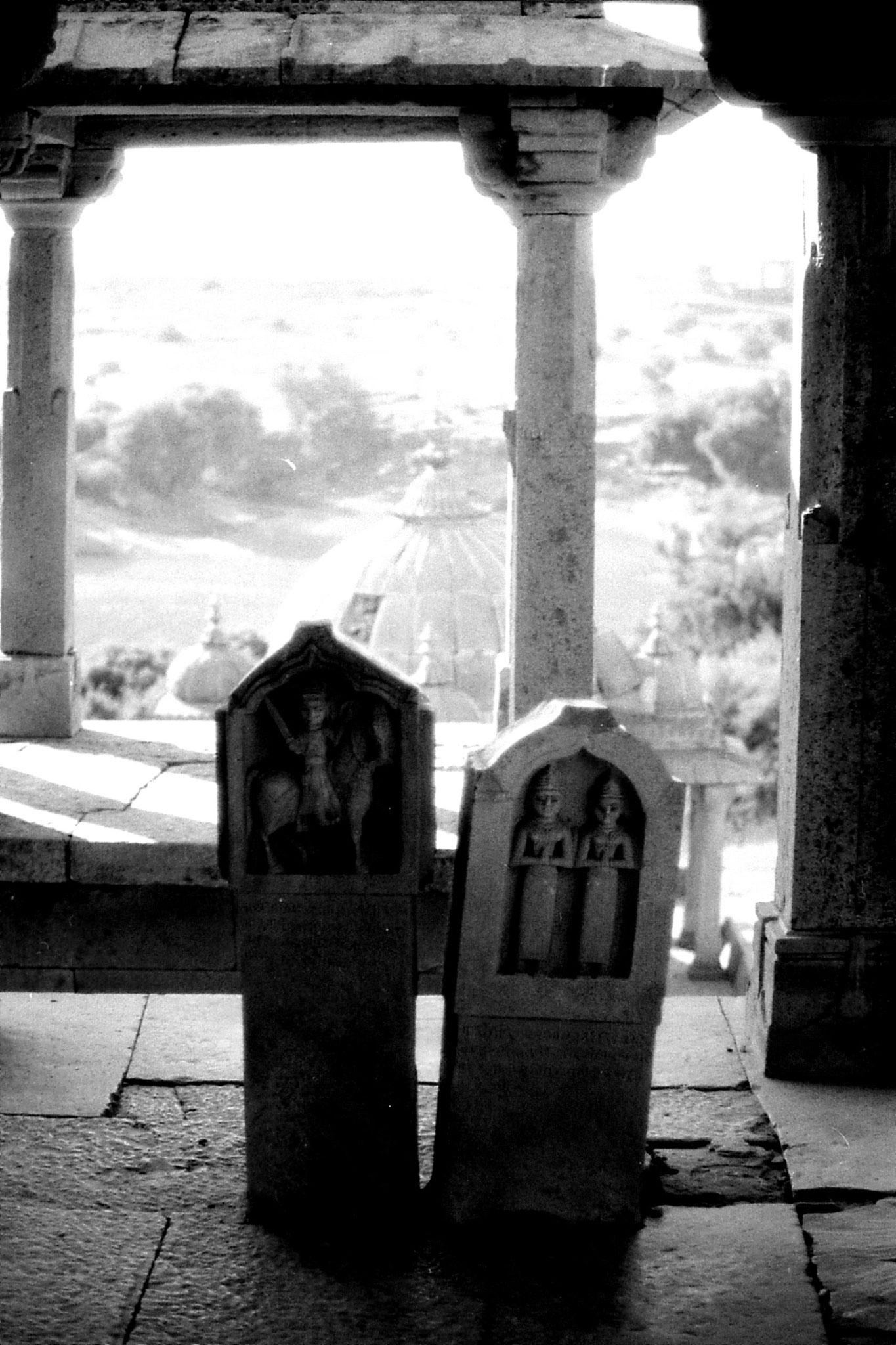 4/12/1989: 5: Jaisalmer cenotaph