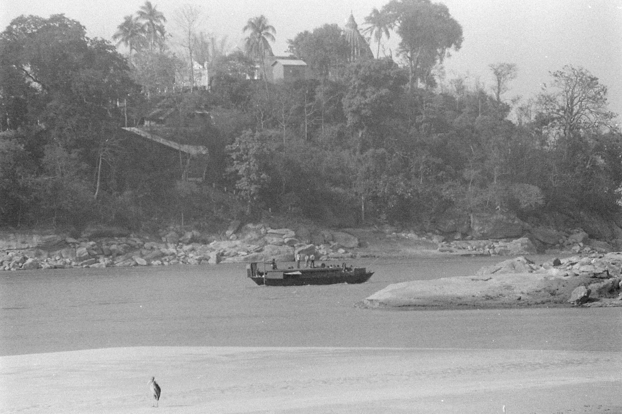 10/4/1990: 31: Gauhati, Brahmaputra River