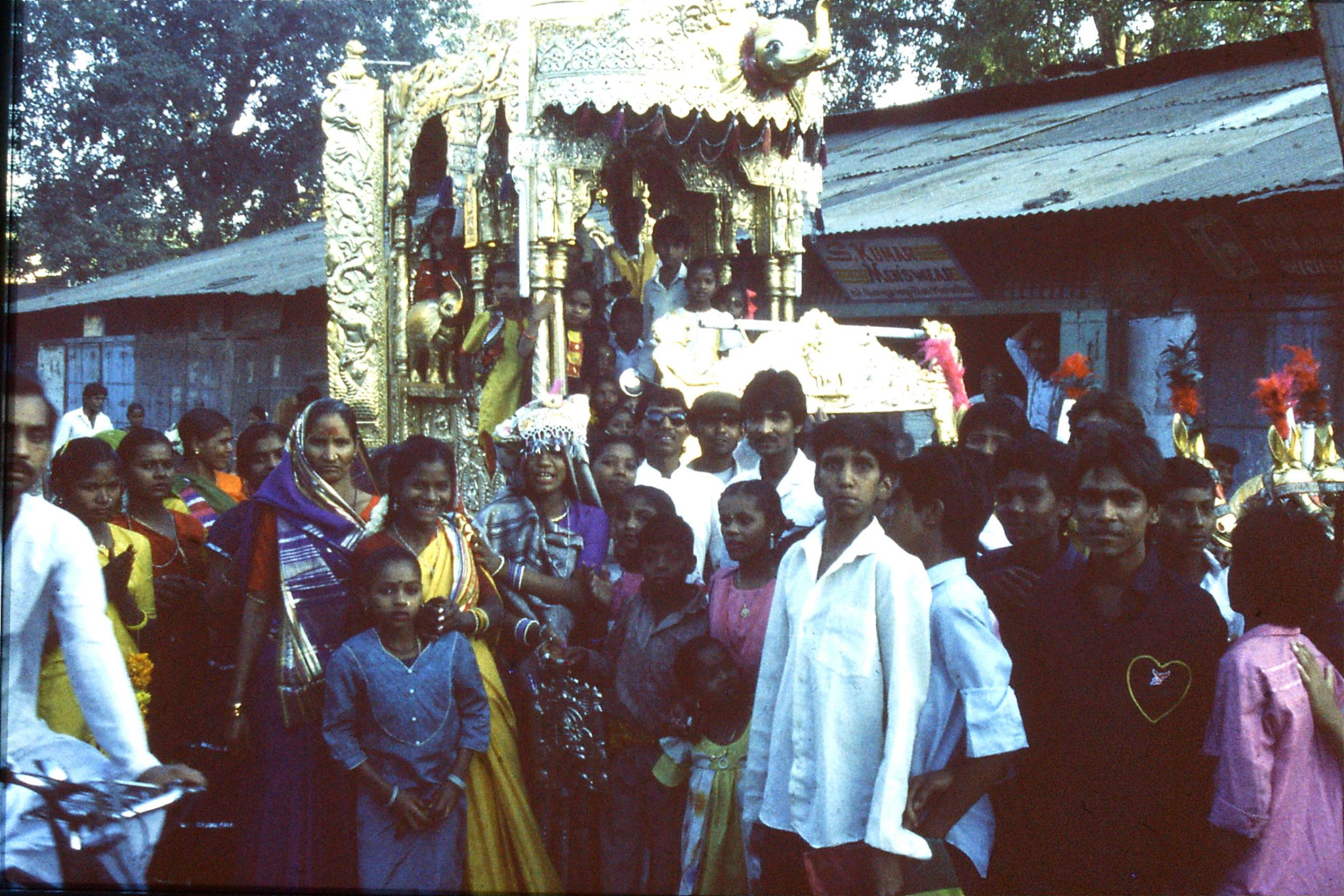 10/12/1989: 35: Ahmedabad wedding procession