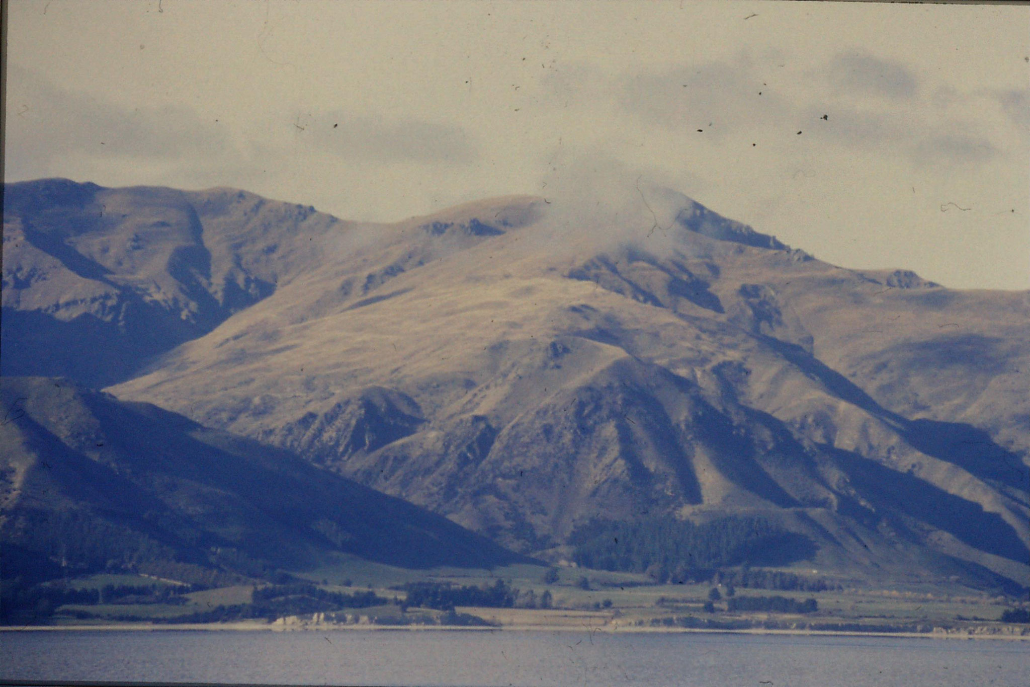 21/8/1990: 21: Lake Hawea