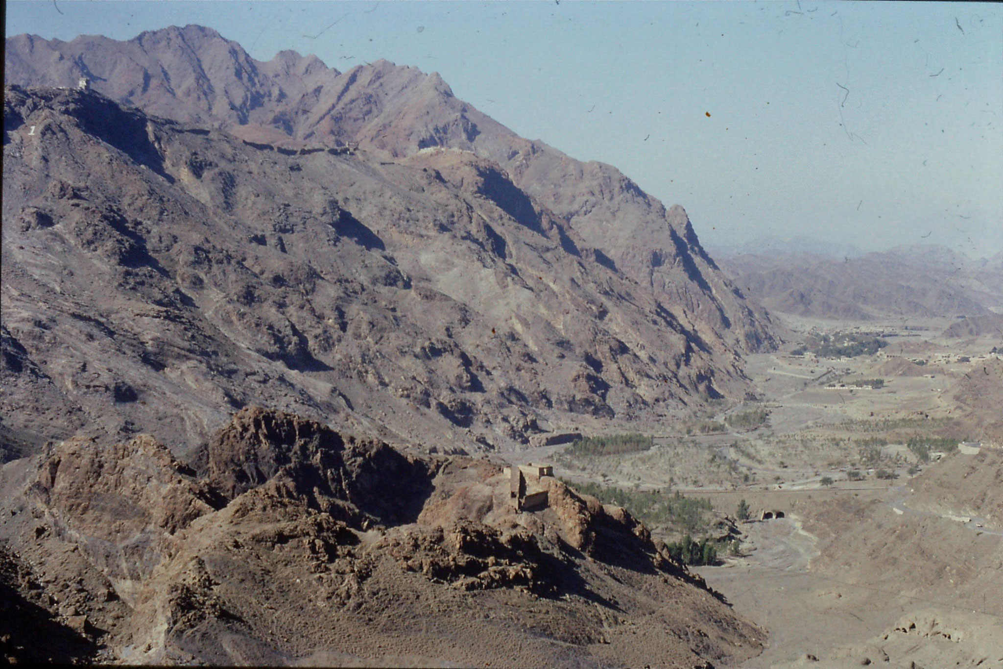 6/11/1989: 19: Khyber Pass road
