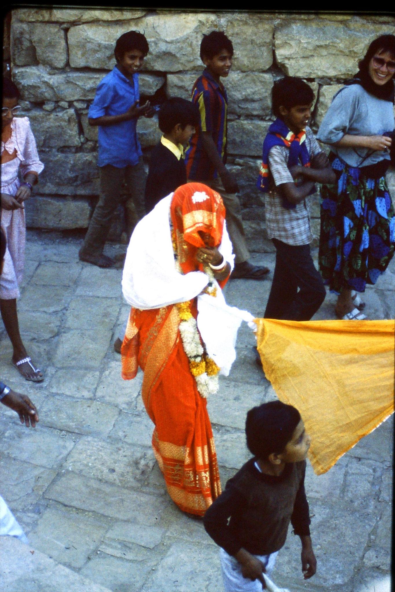3/12/1989: 3: Jaisalmer wedding procession