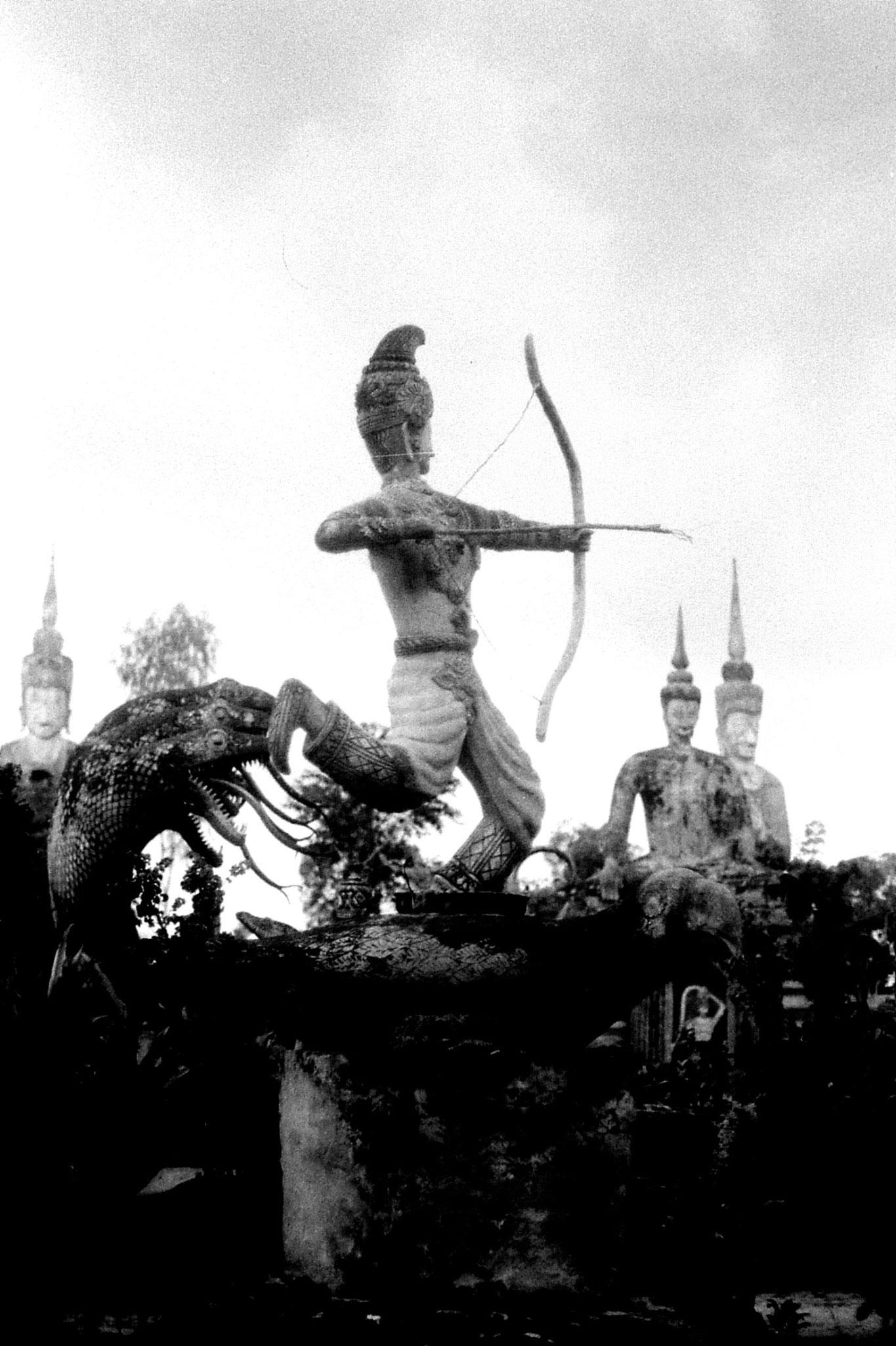 30/5/1990: 16: Nong Khai Wat Kaeg