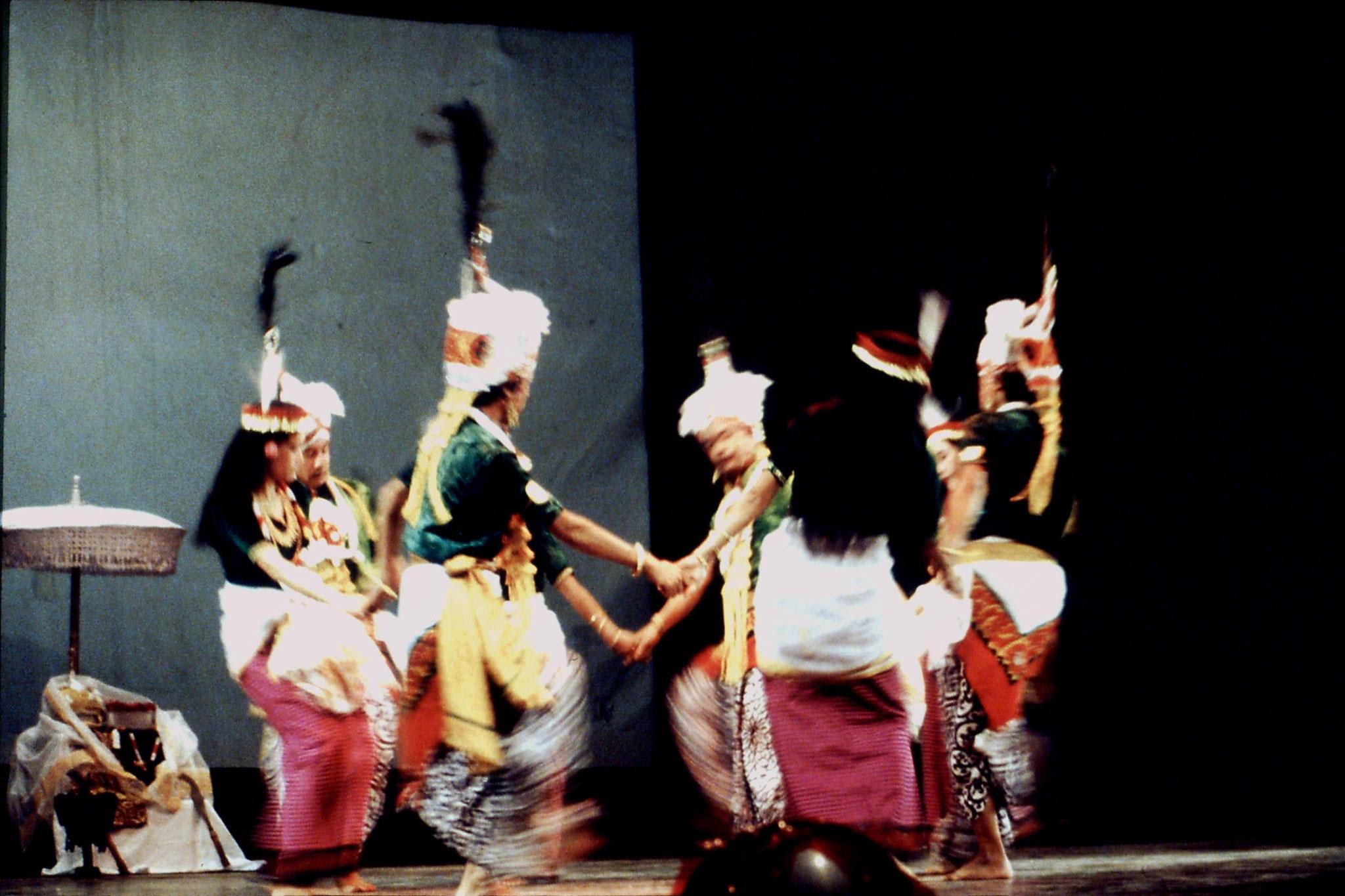 114/06: Imphal - Nehru Manipur Dance Academy show