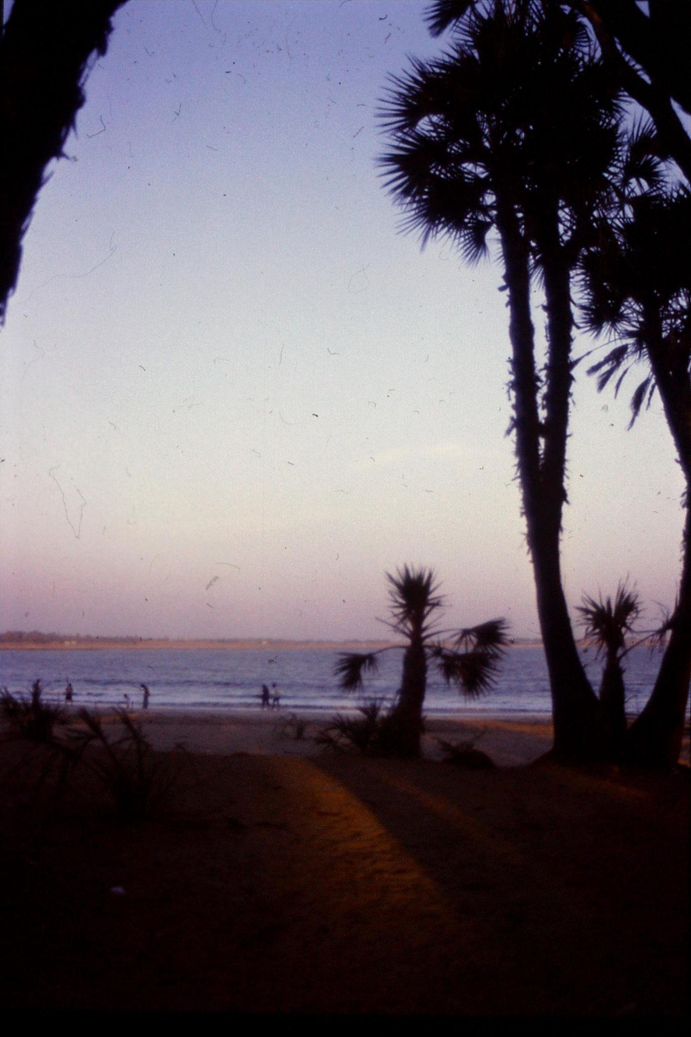 16/12/1989: 14: Diu Nagoa beach