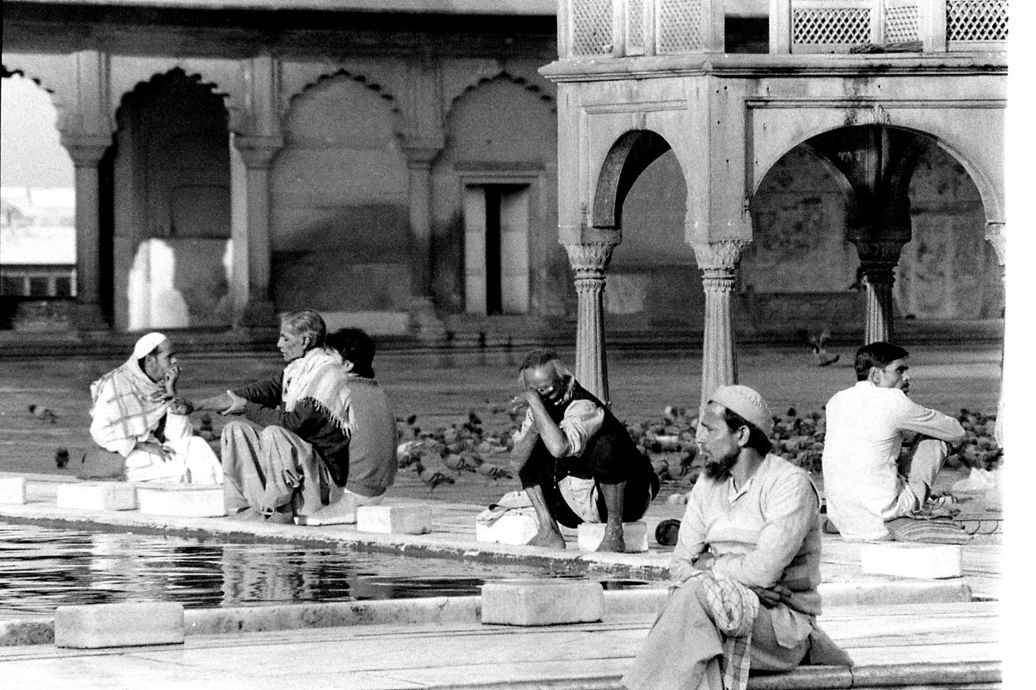 24/11/1989: 22: Jami Masjid