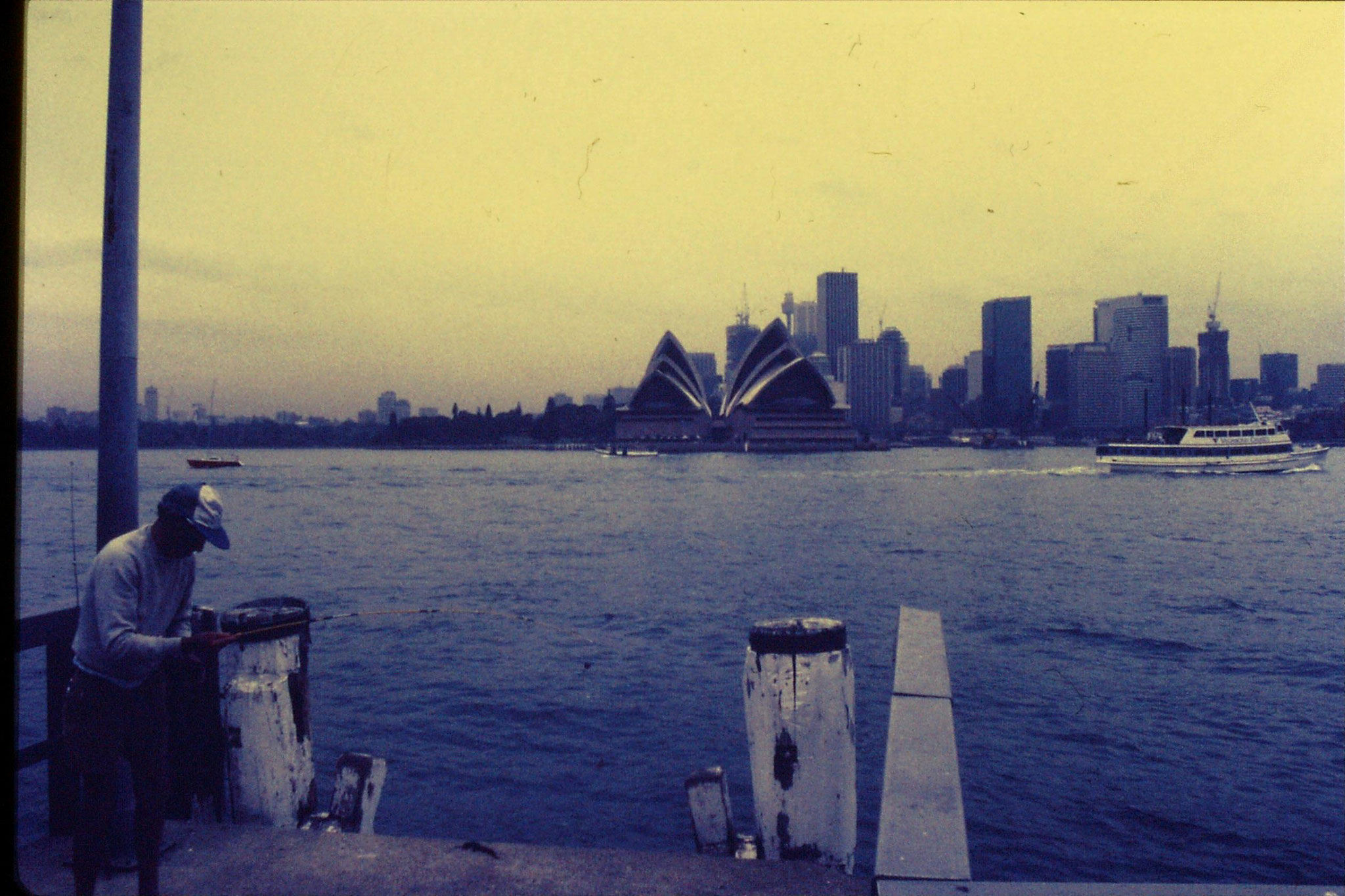 15/11/1990: 7: Sydney, Beulah St Wharf - Harbour Bridge and Opera