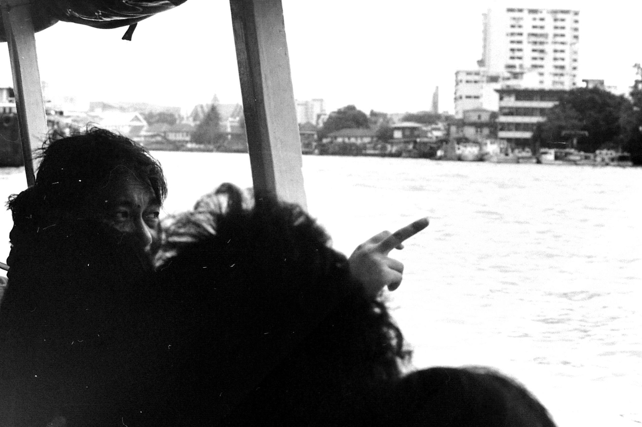 17/6/1990: 15: Bangkok, on the river