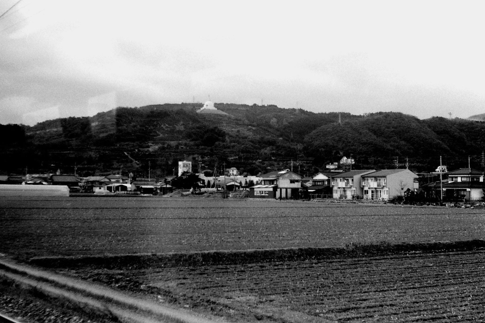 20/1/1989: 29: nr Hizen Yamaguchi, white dome on hill 2pm.