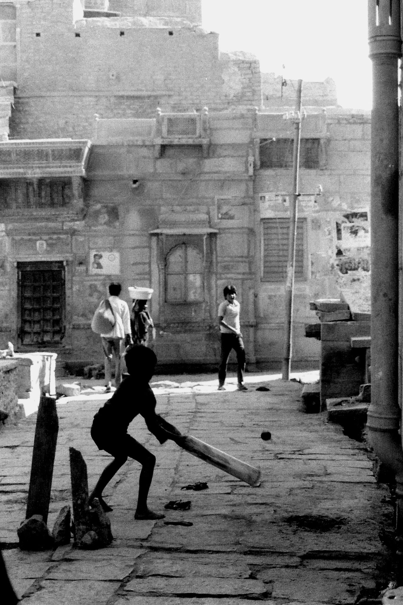 3/12/1989: 24: Jaisalmer, cricket