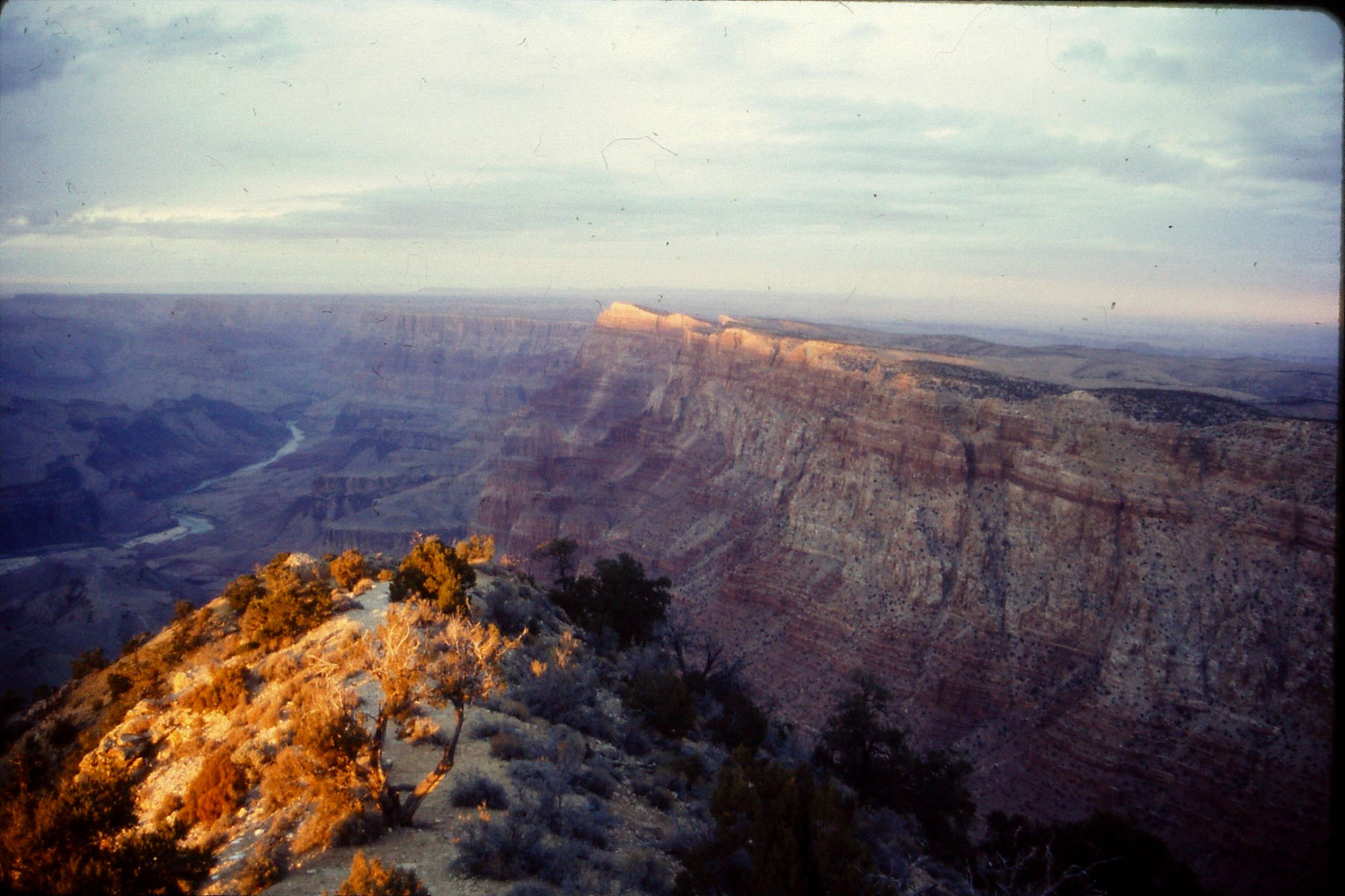 15/12/1990: 36: Grand Cayon from Desert View, south rim
