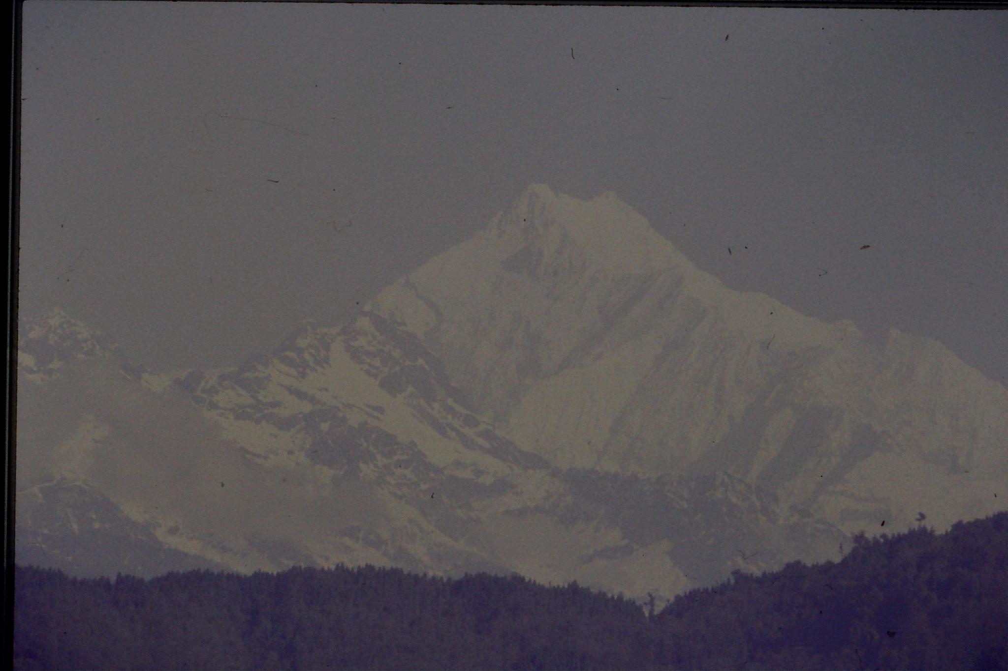 115/15: 25/4/1990 Gangtok - Kanchenjunga
