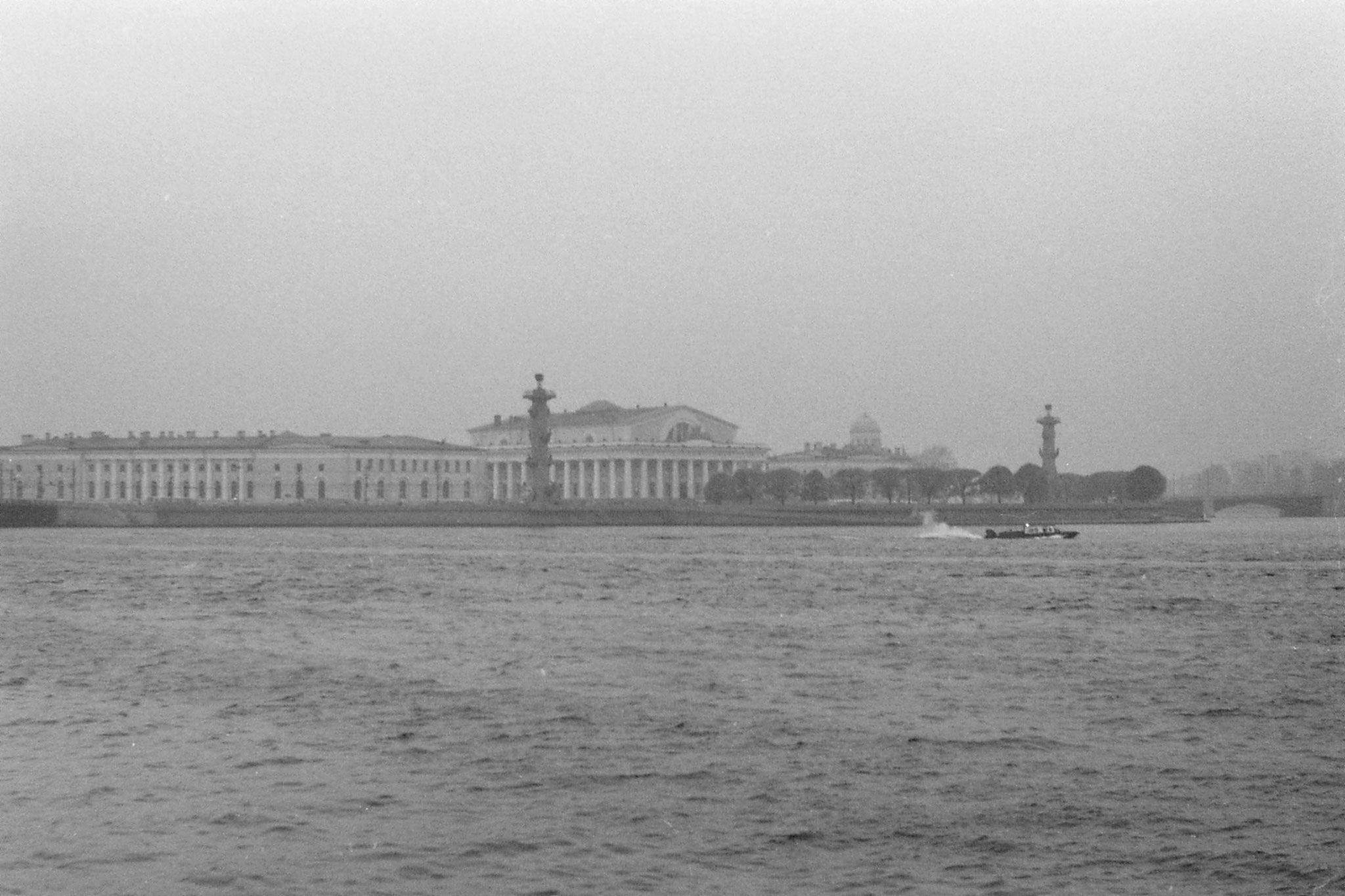 15/10/1988: 30: view across Neva