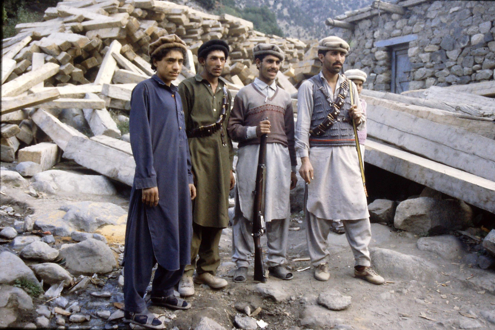 6/10/1989: 36: men at Babysar village