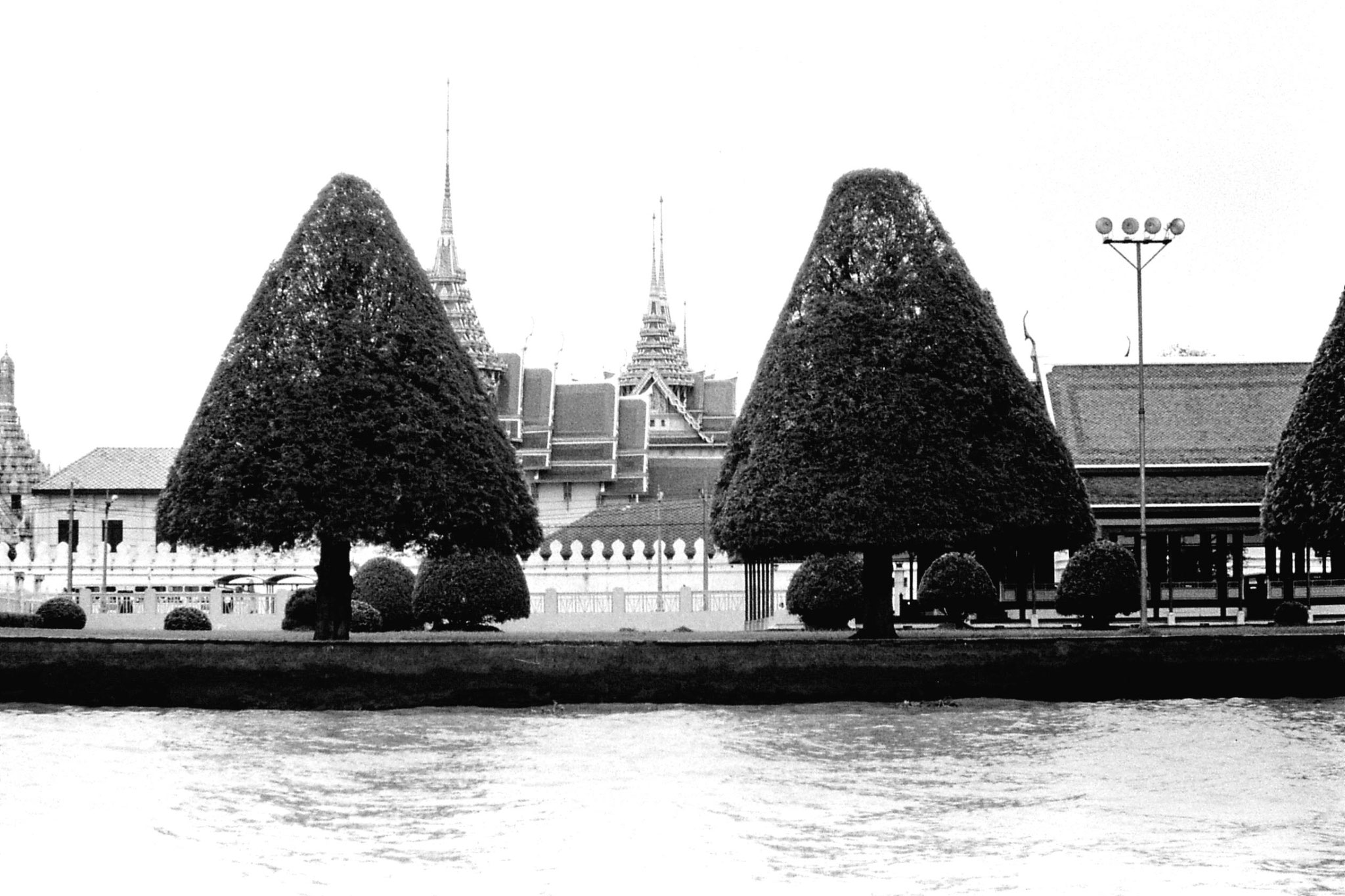 17/6/1990: 23: Bangkok, on the river, Royal Palace