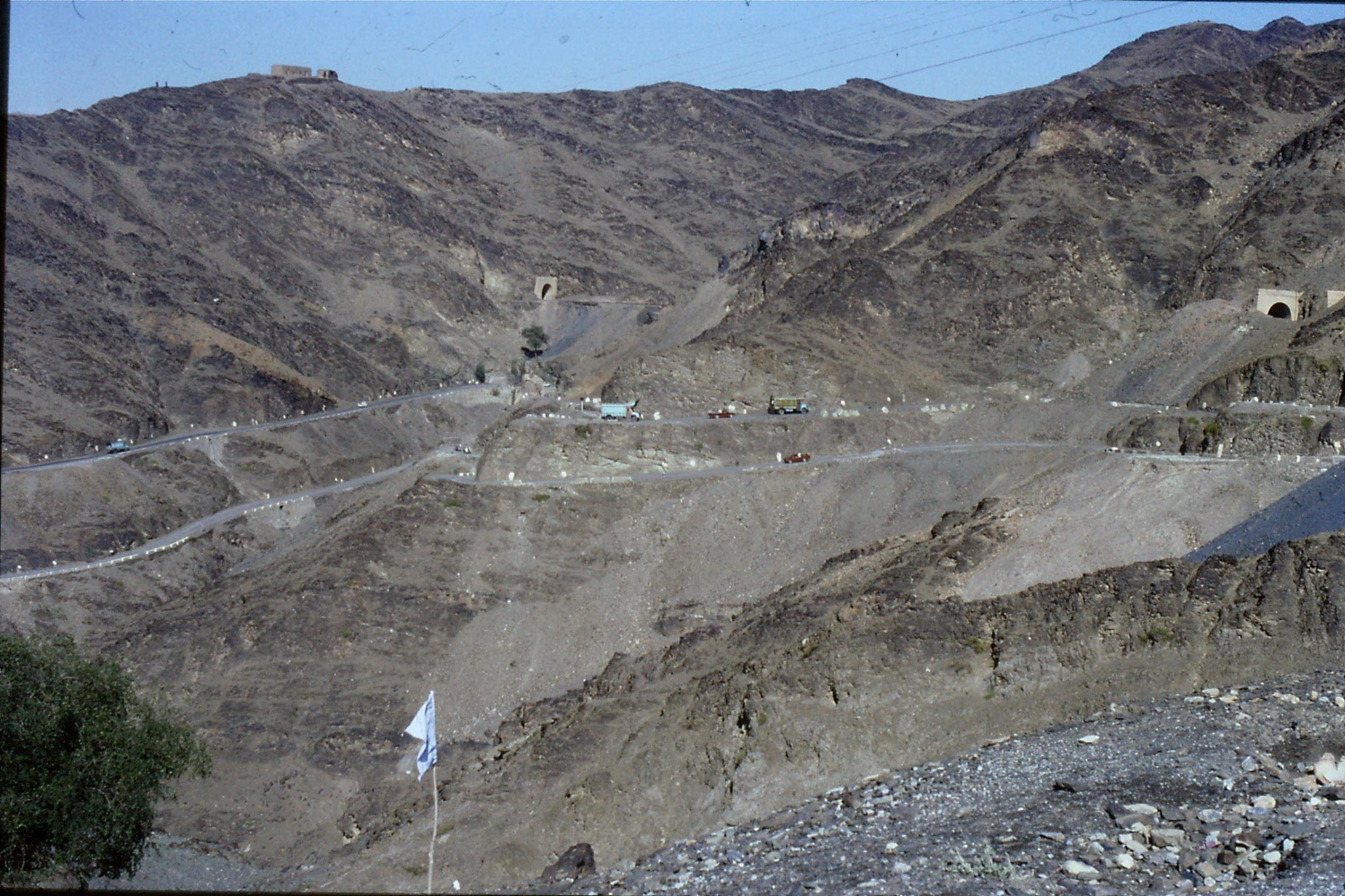 6/11/1989: 19: Khyber Pass road down to Torghum