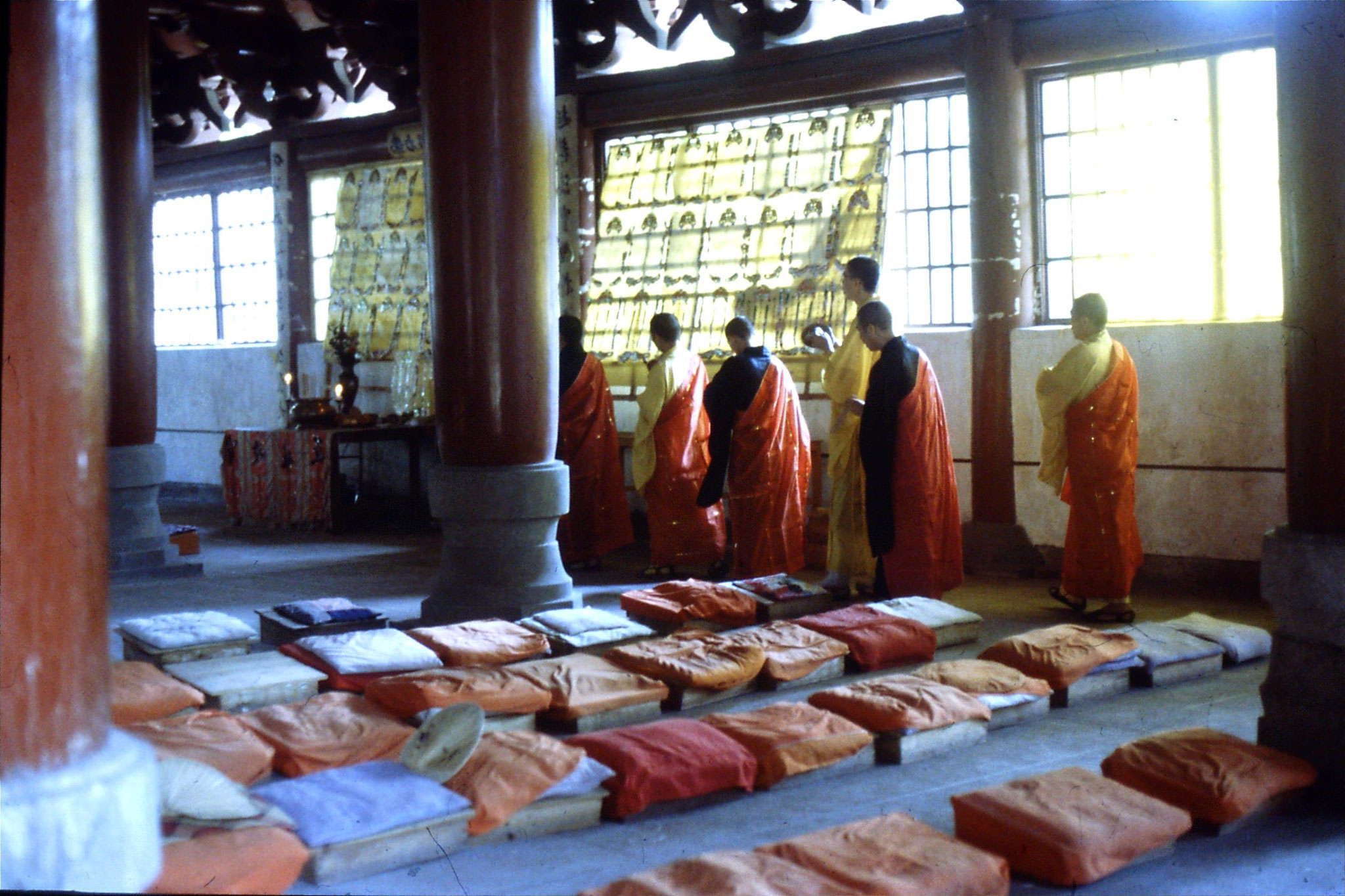 18/5/1989: 5: Guangzhou Filial Piety Temple ceremony