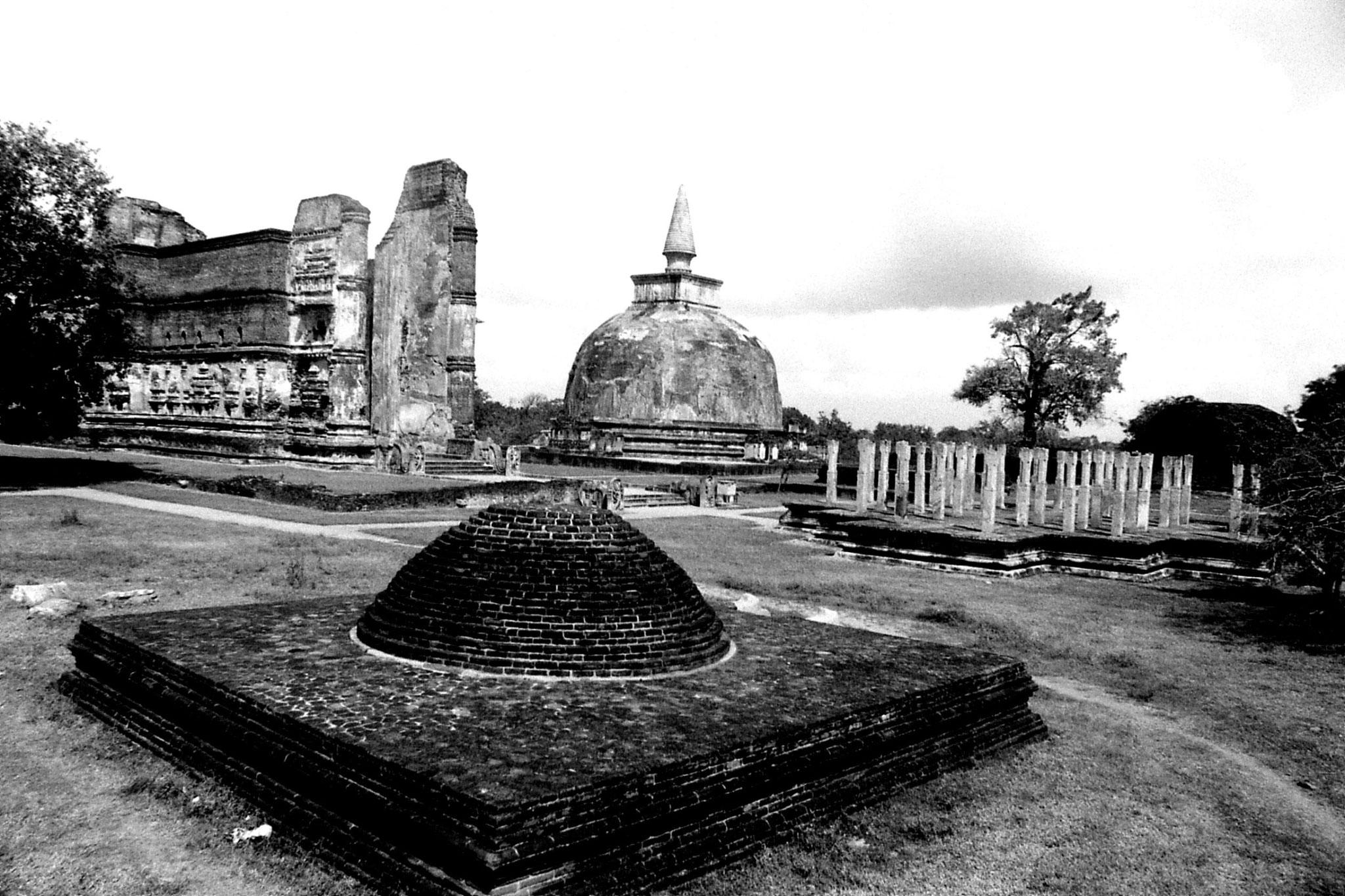 7/2/90: 17: Polonnaruwa