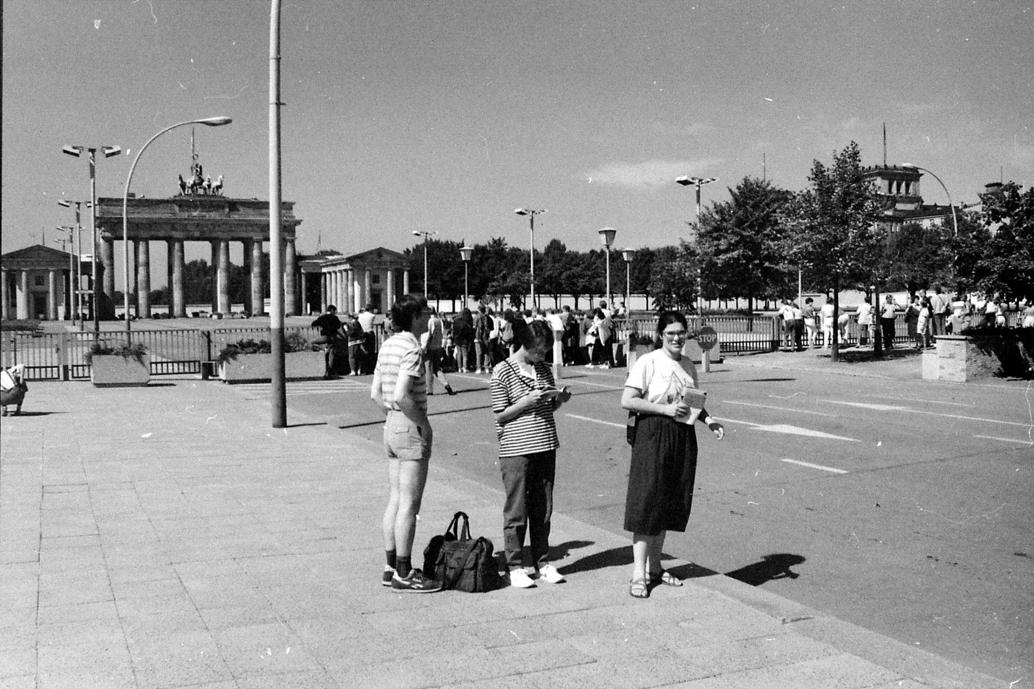 18/8/88: 29: Brandenburg Gate
